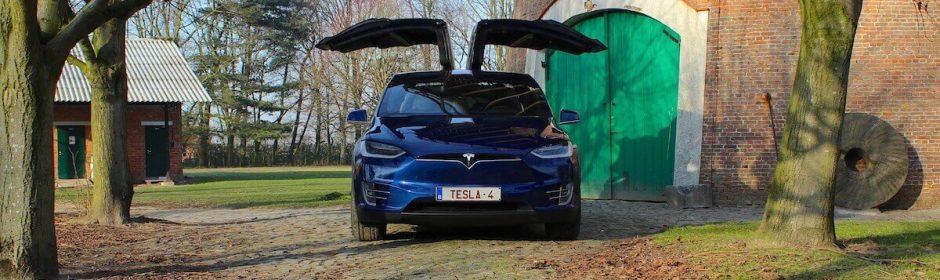 Tesla Model X ensaio