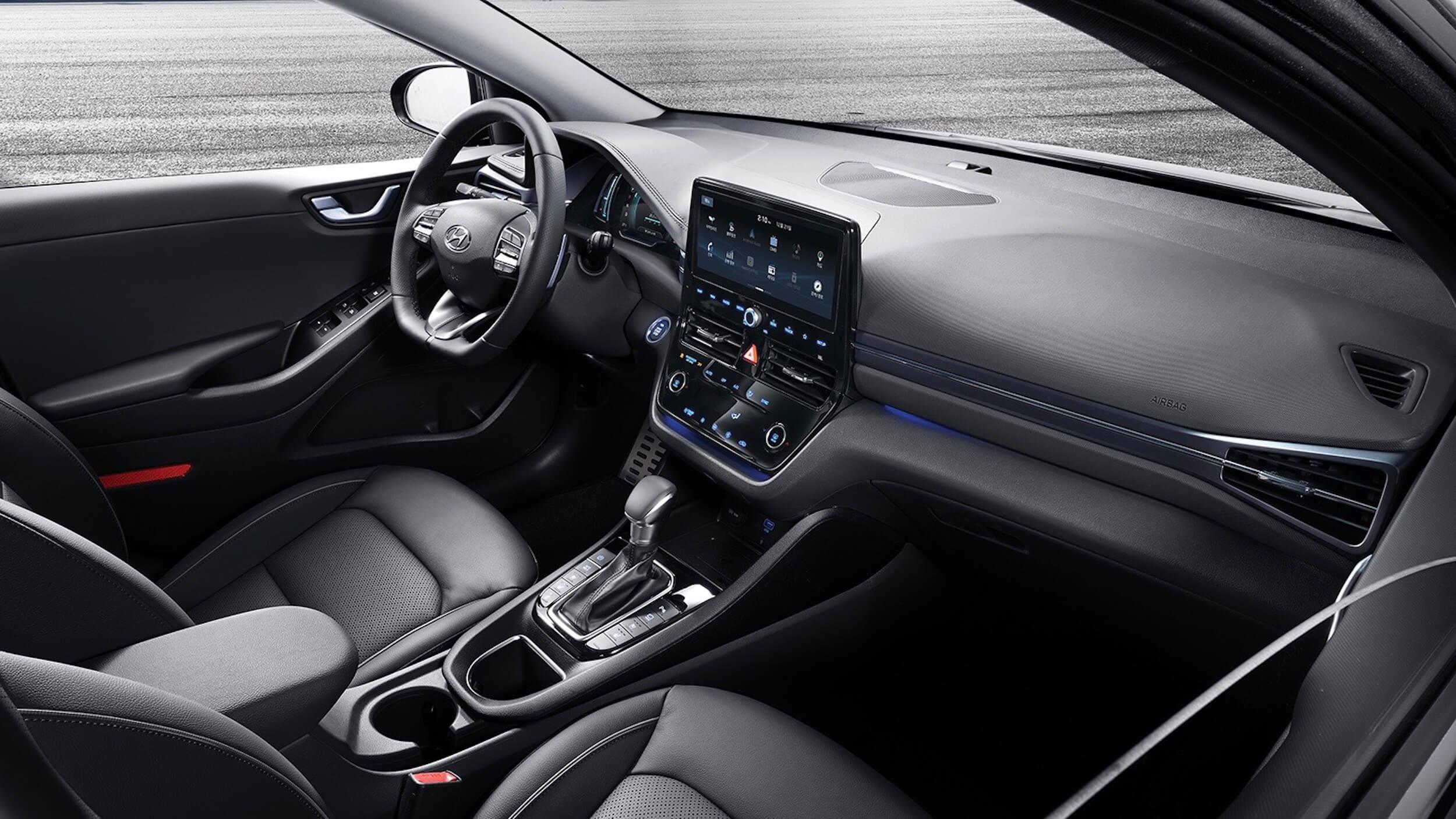 2019 novo Hyundai Ioniq interior