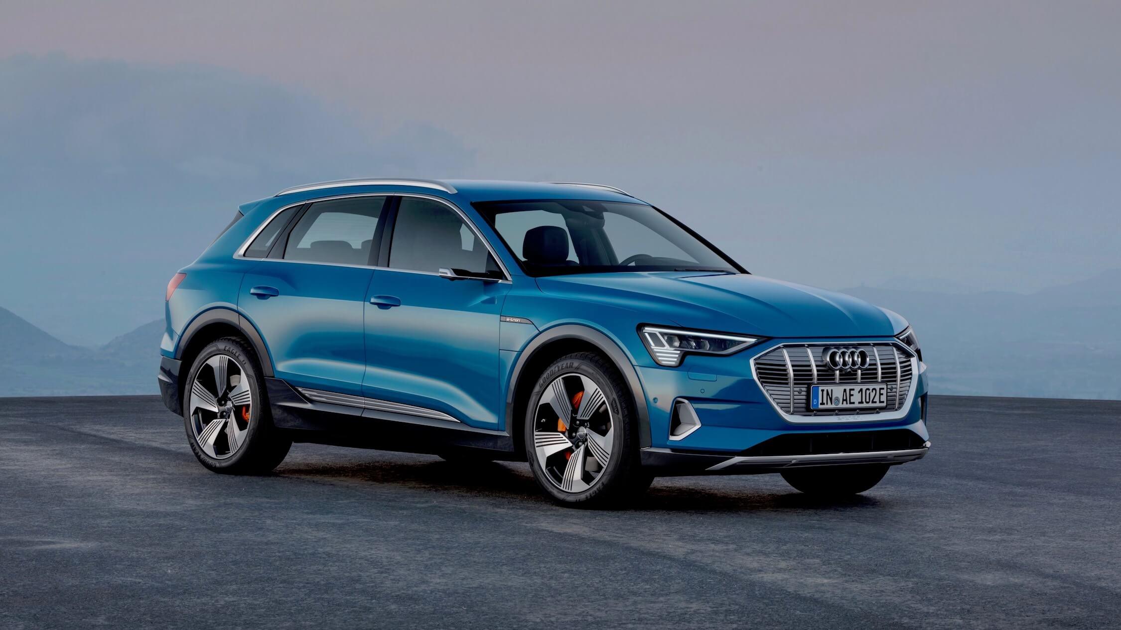 Audi e-tron azul