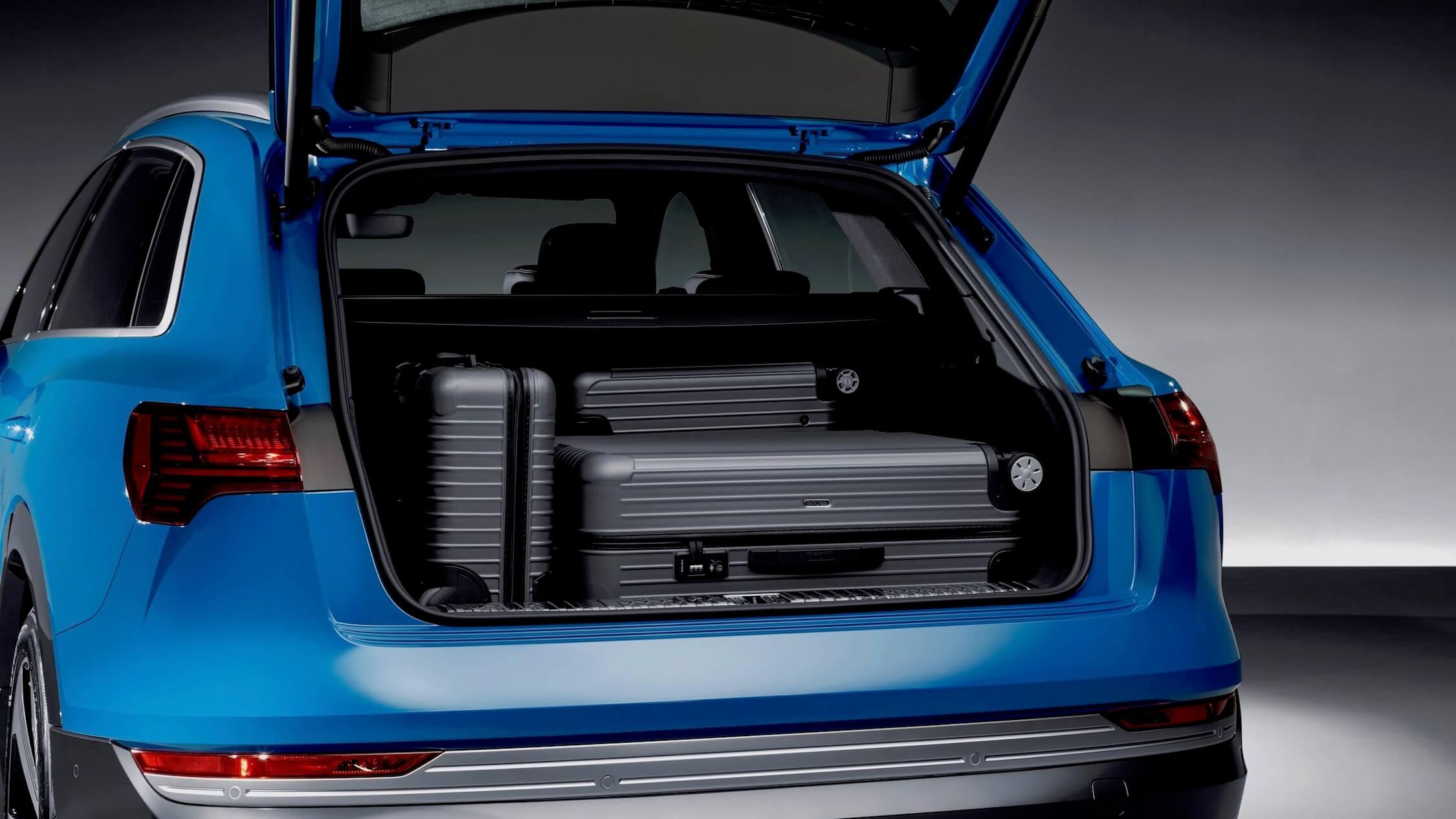 Audi e-tron bagageira