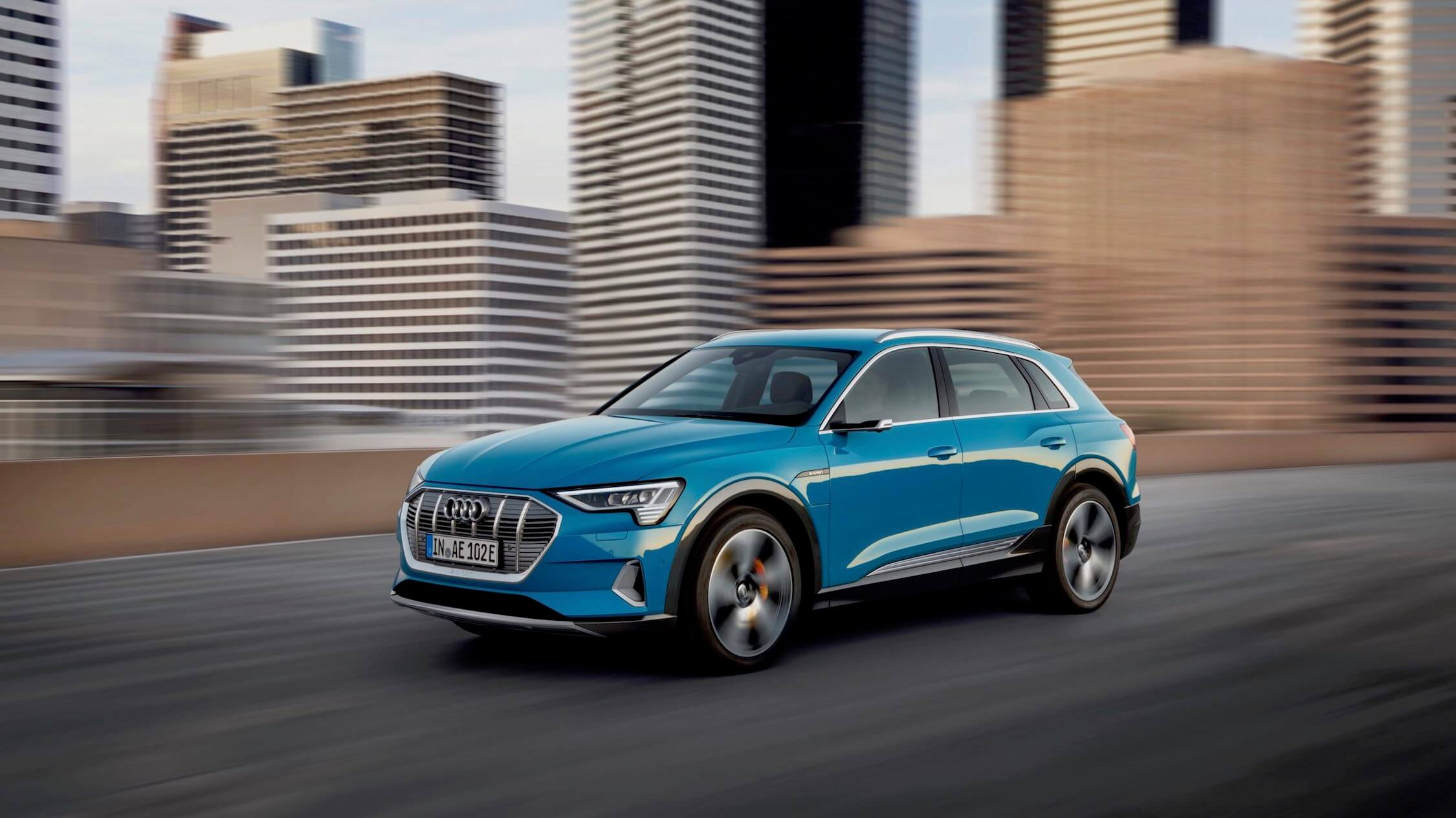 Audi e-tron carro elétrico