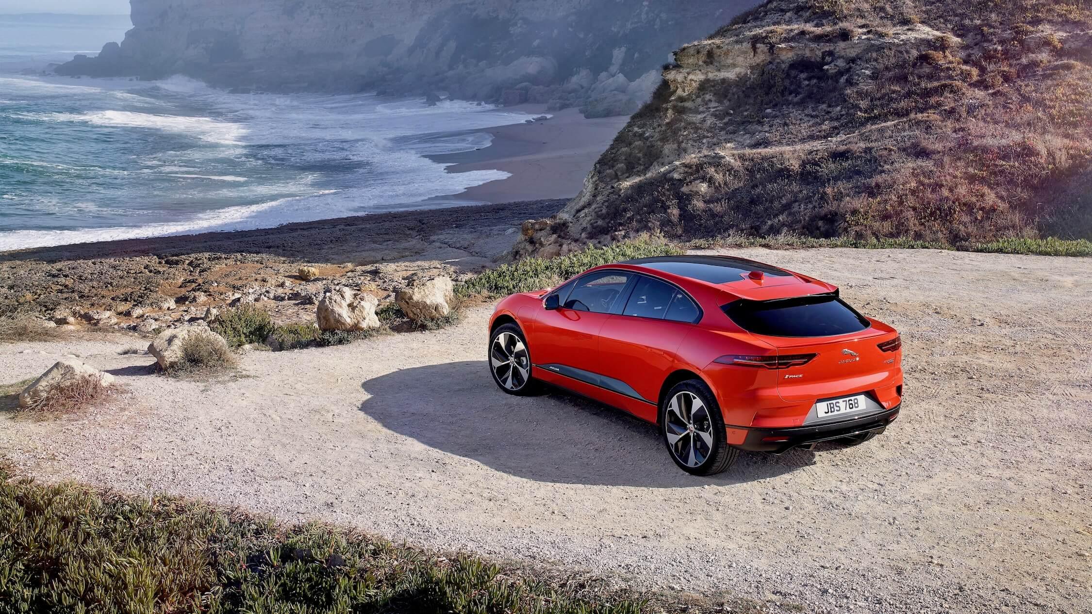 Jaguar I-Pace praia