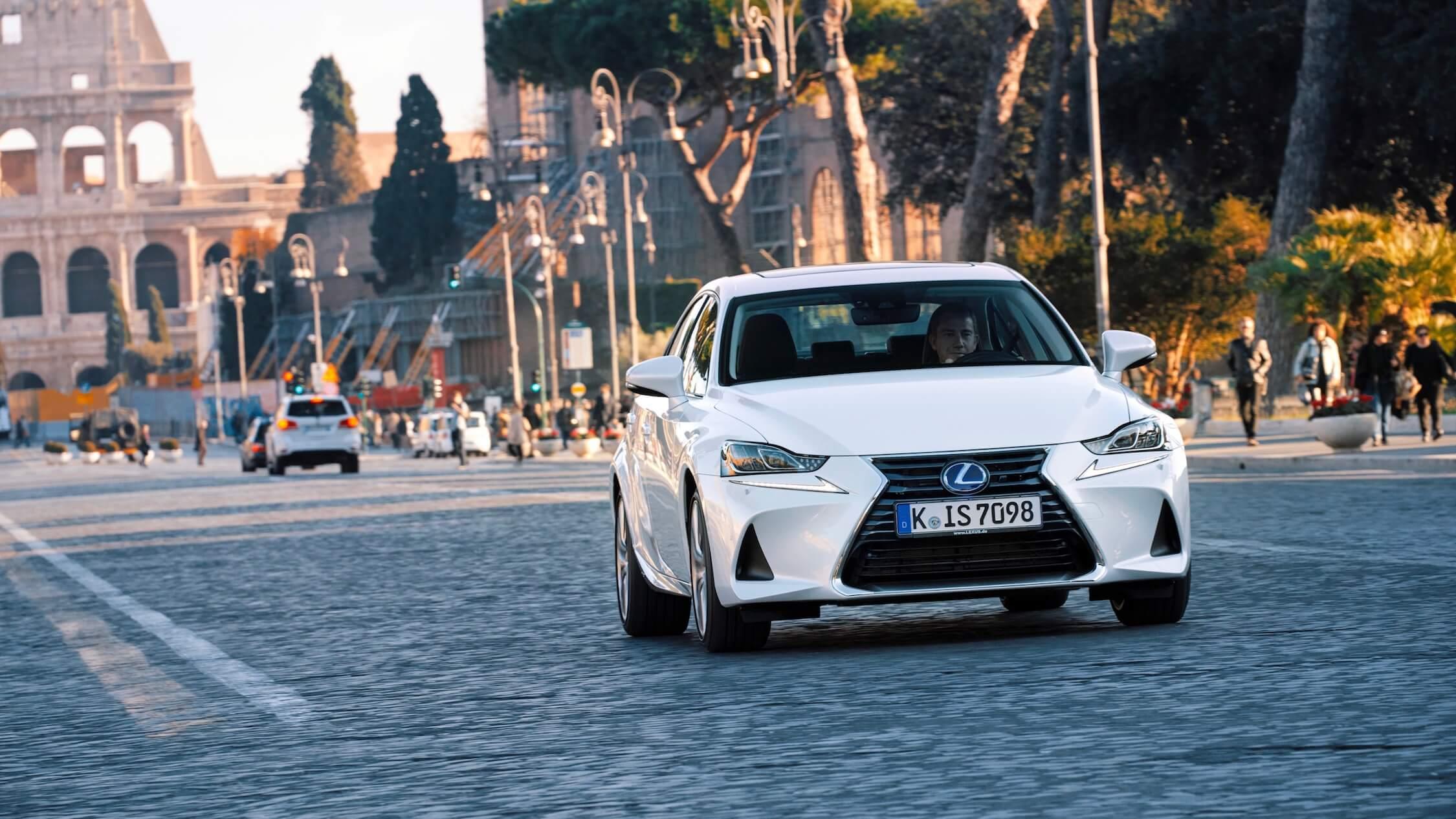 Lexus IS híbrido