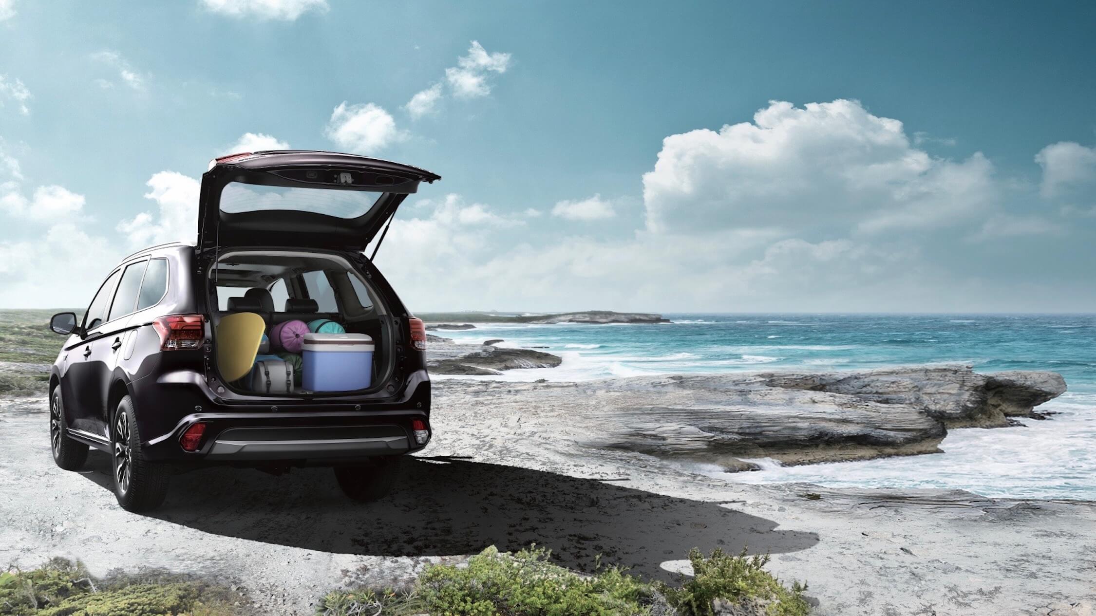 Mitsubishi Outlander híbrido porta-bagagens
