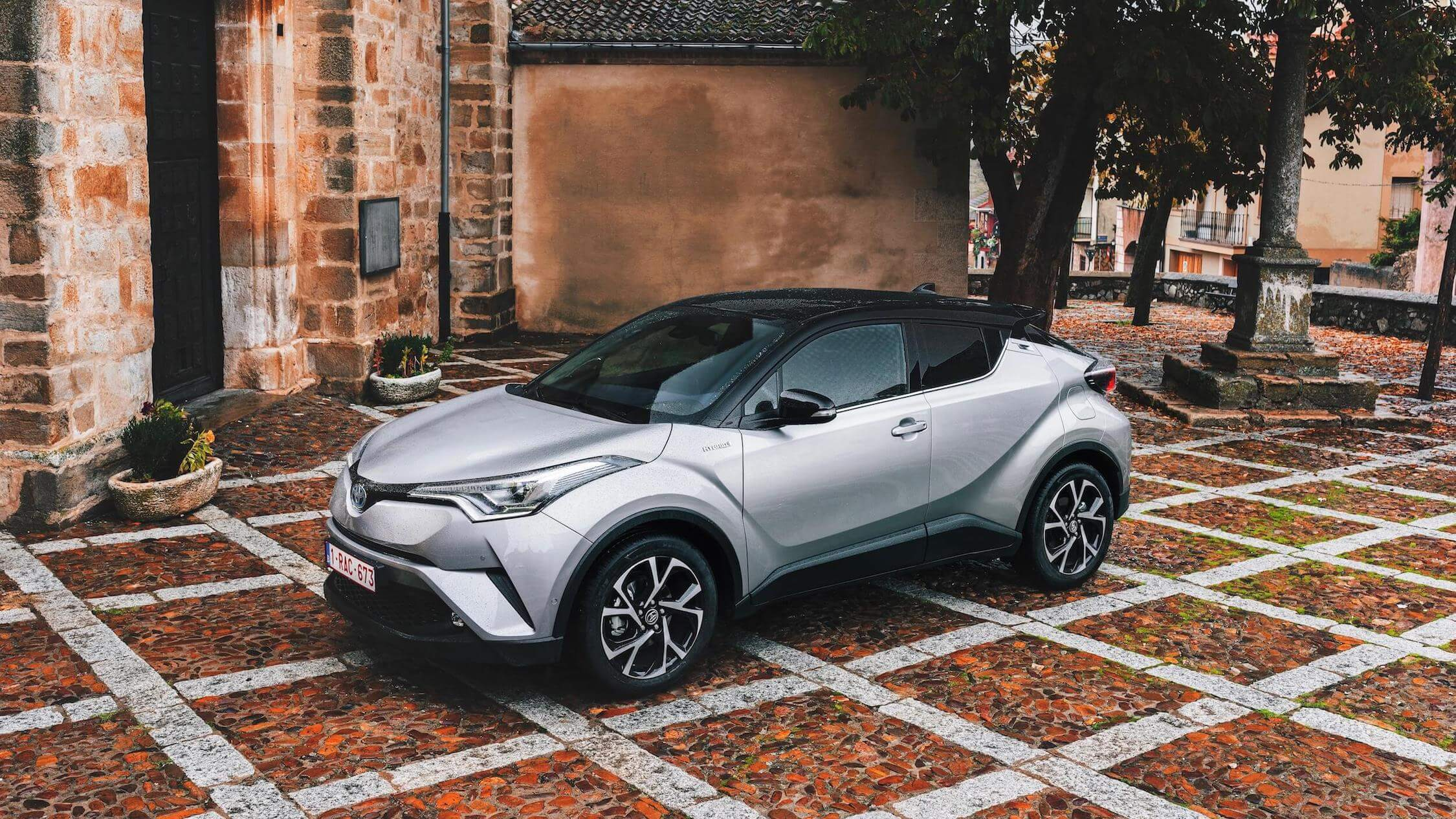 Toyota C-HR gris
