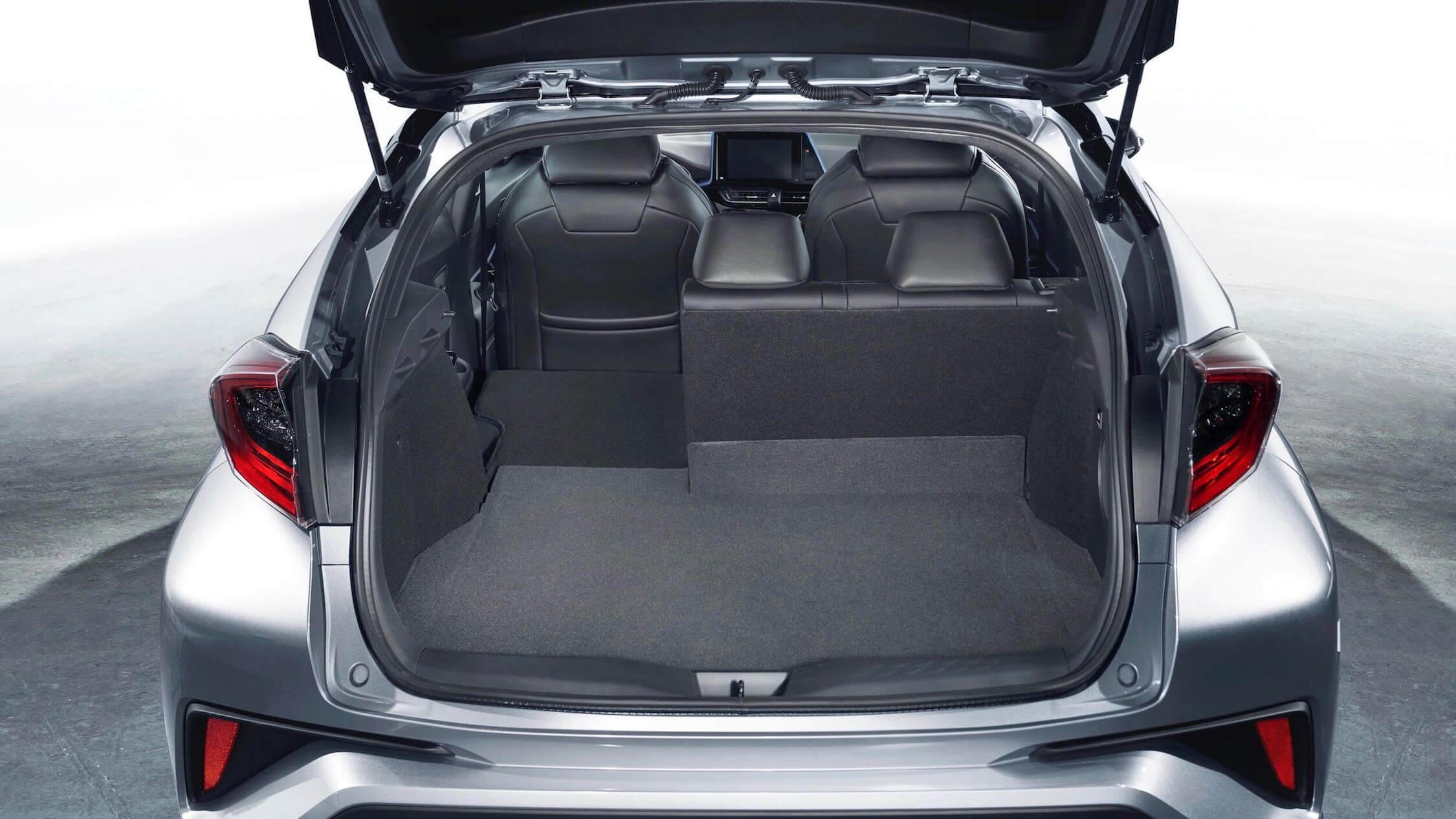 Toyota C-HR híbrido porta-bagagens