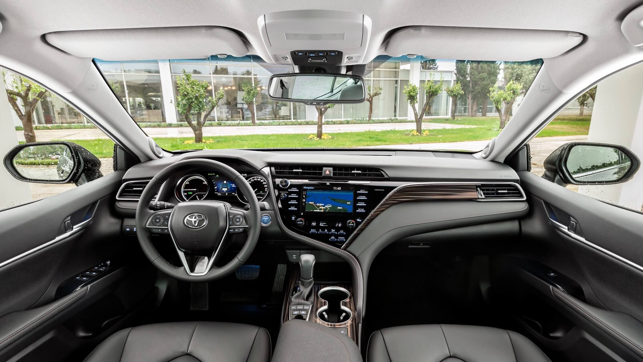 Toyota Camry hibrido interior