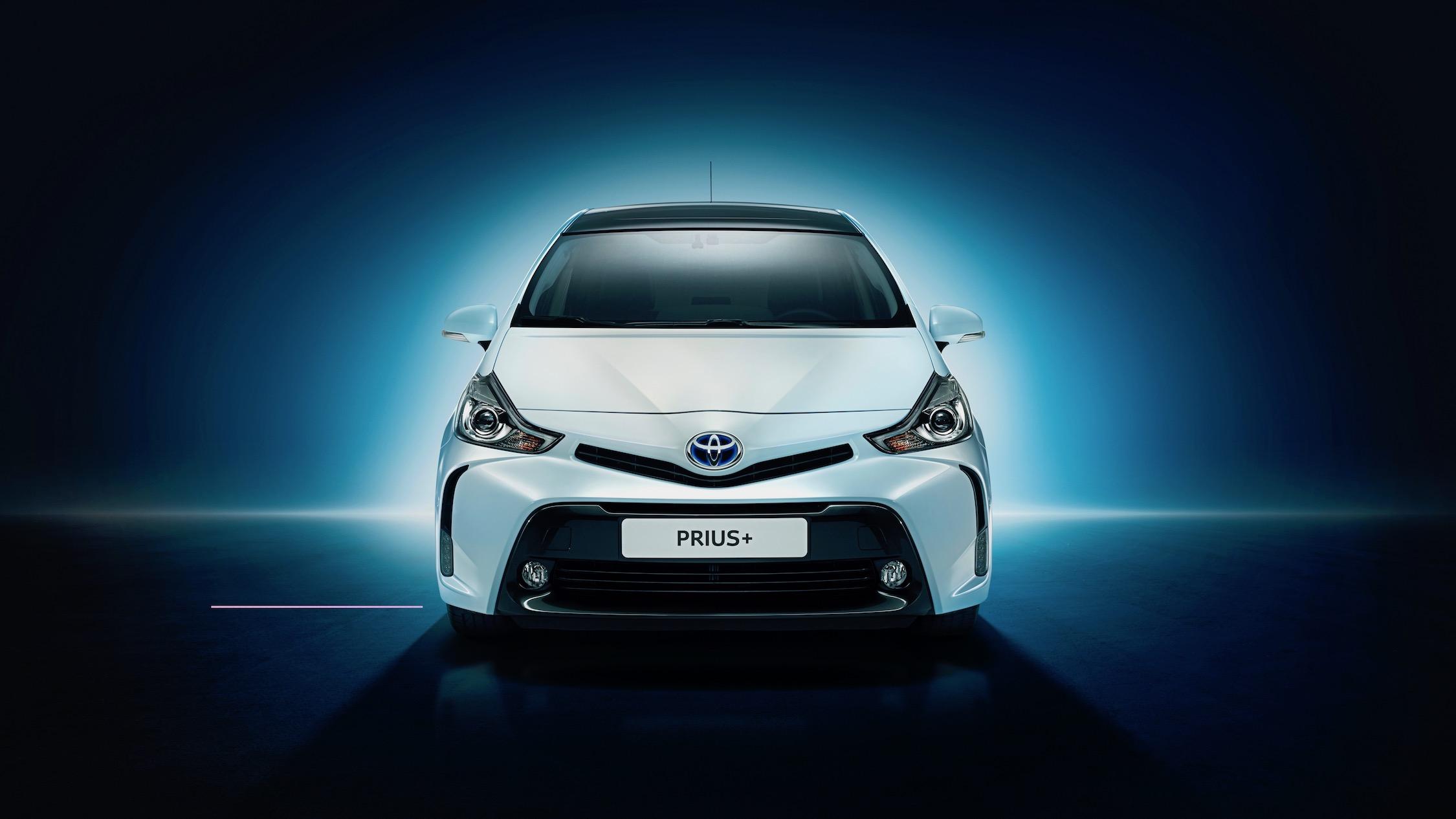 Toyota Prius Plus frente