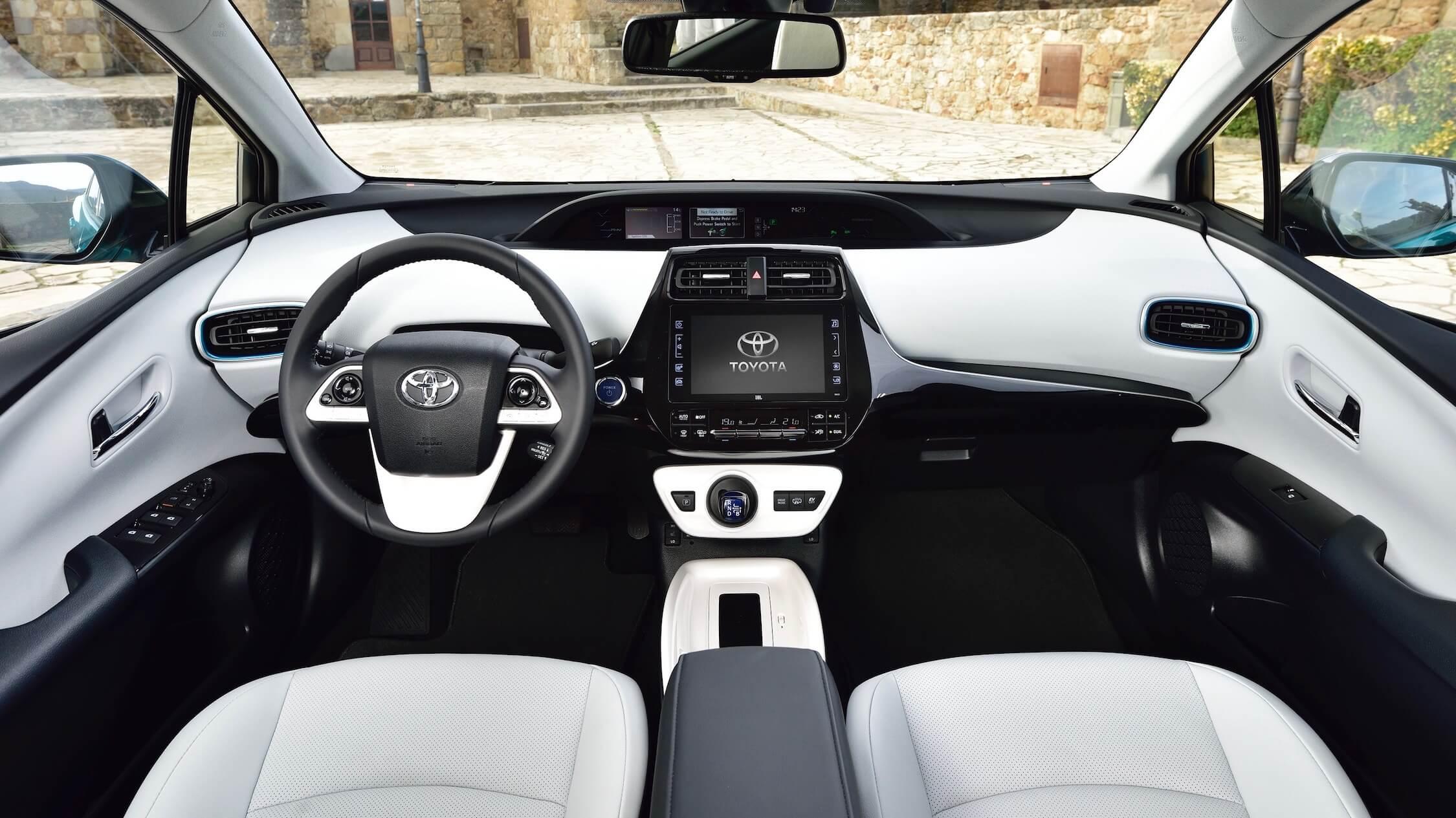 Toyota Prius híbrido plug-in interior
