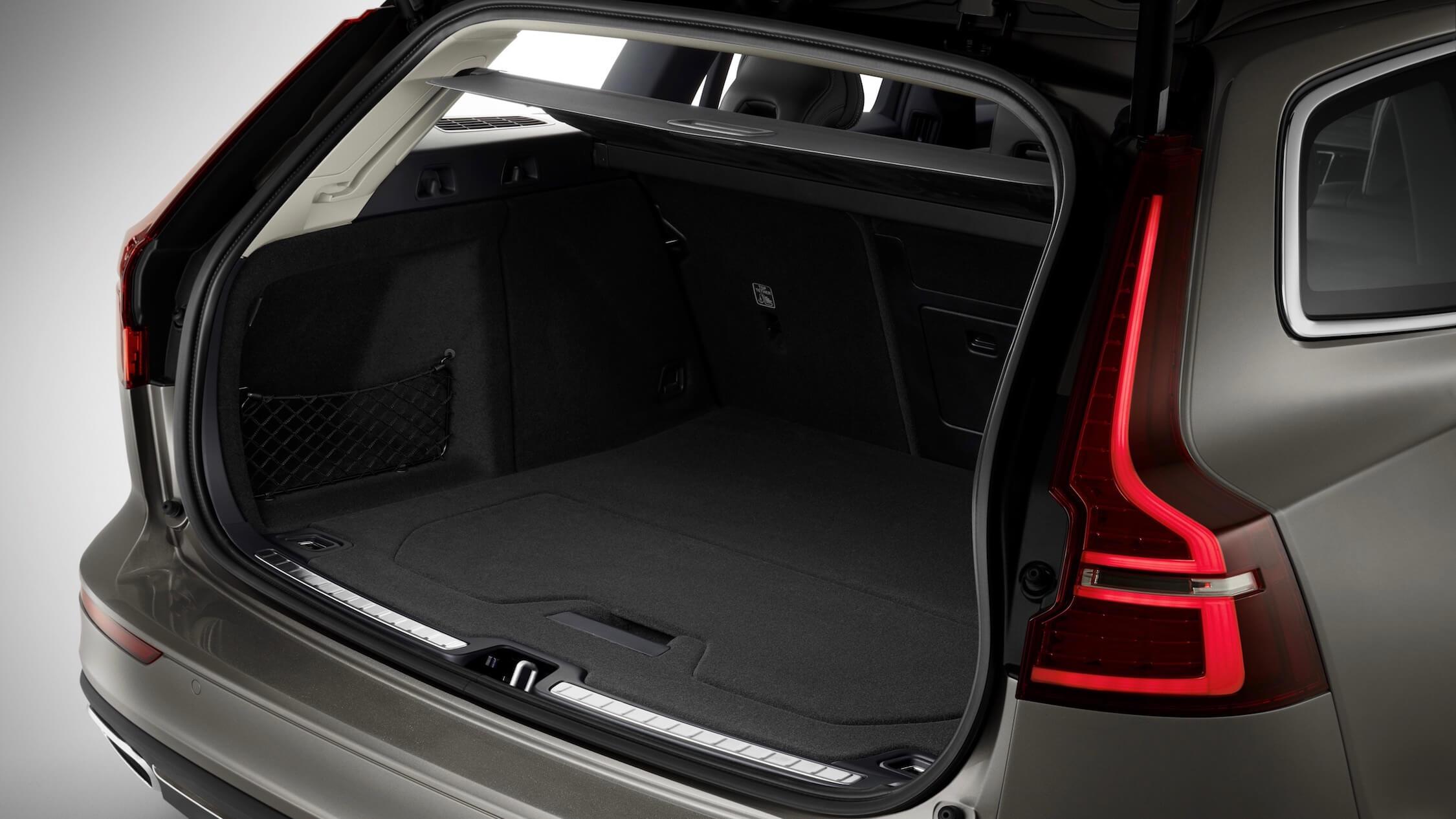 Volvo V60 híbrido plug-in porta-bagagens