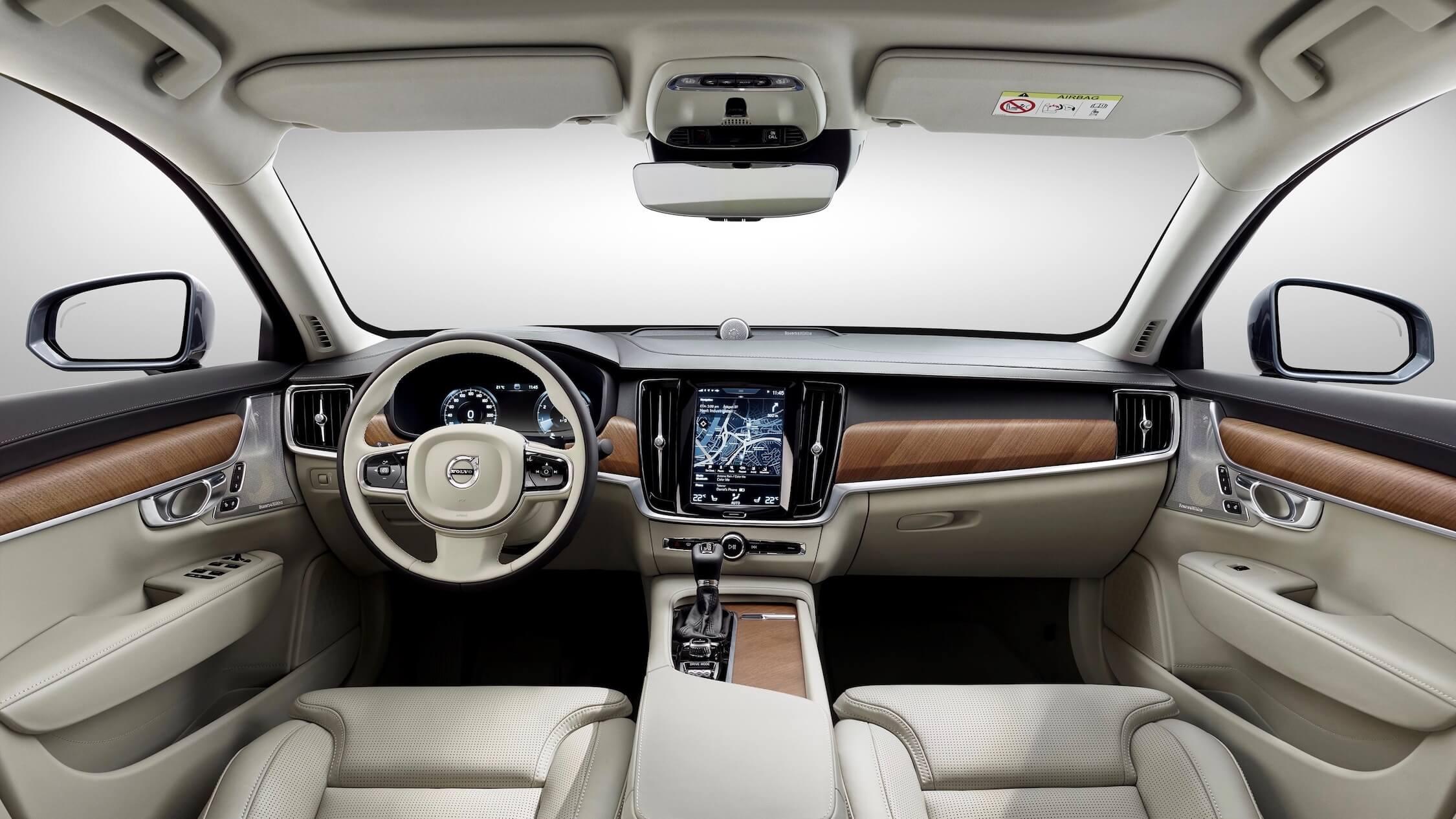 Volvo V90 híbrido interior