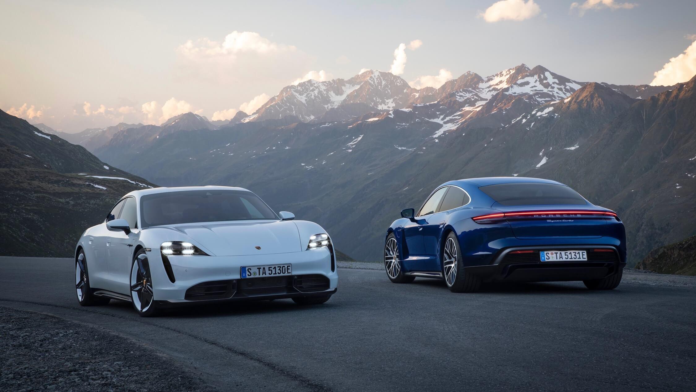 Porsche Taycan branco azul
