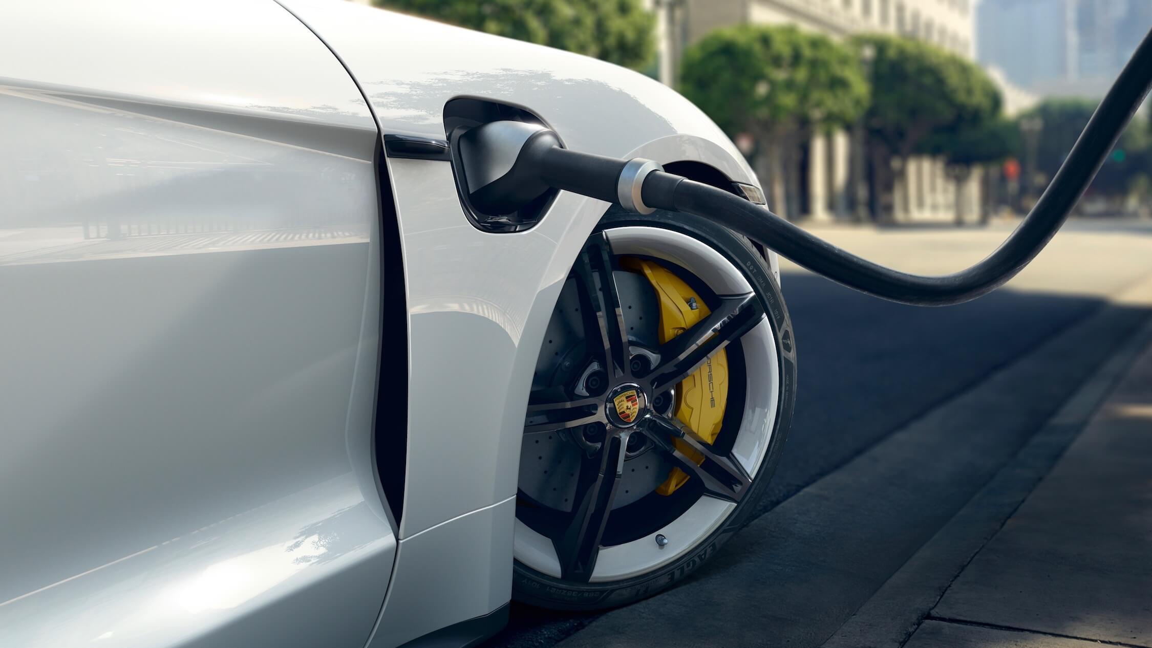 Porsche Taycan cabo de carregamento