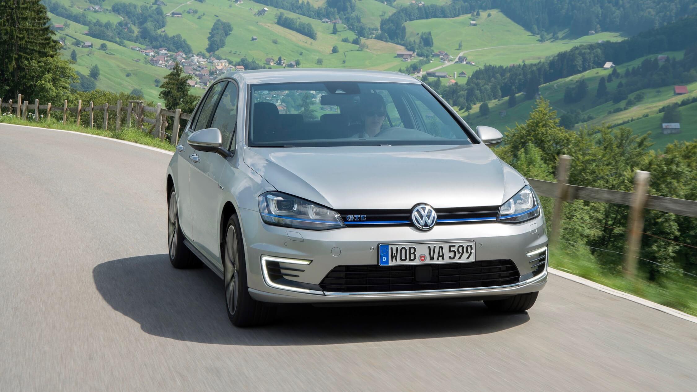 VW Golf GTE cinzento