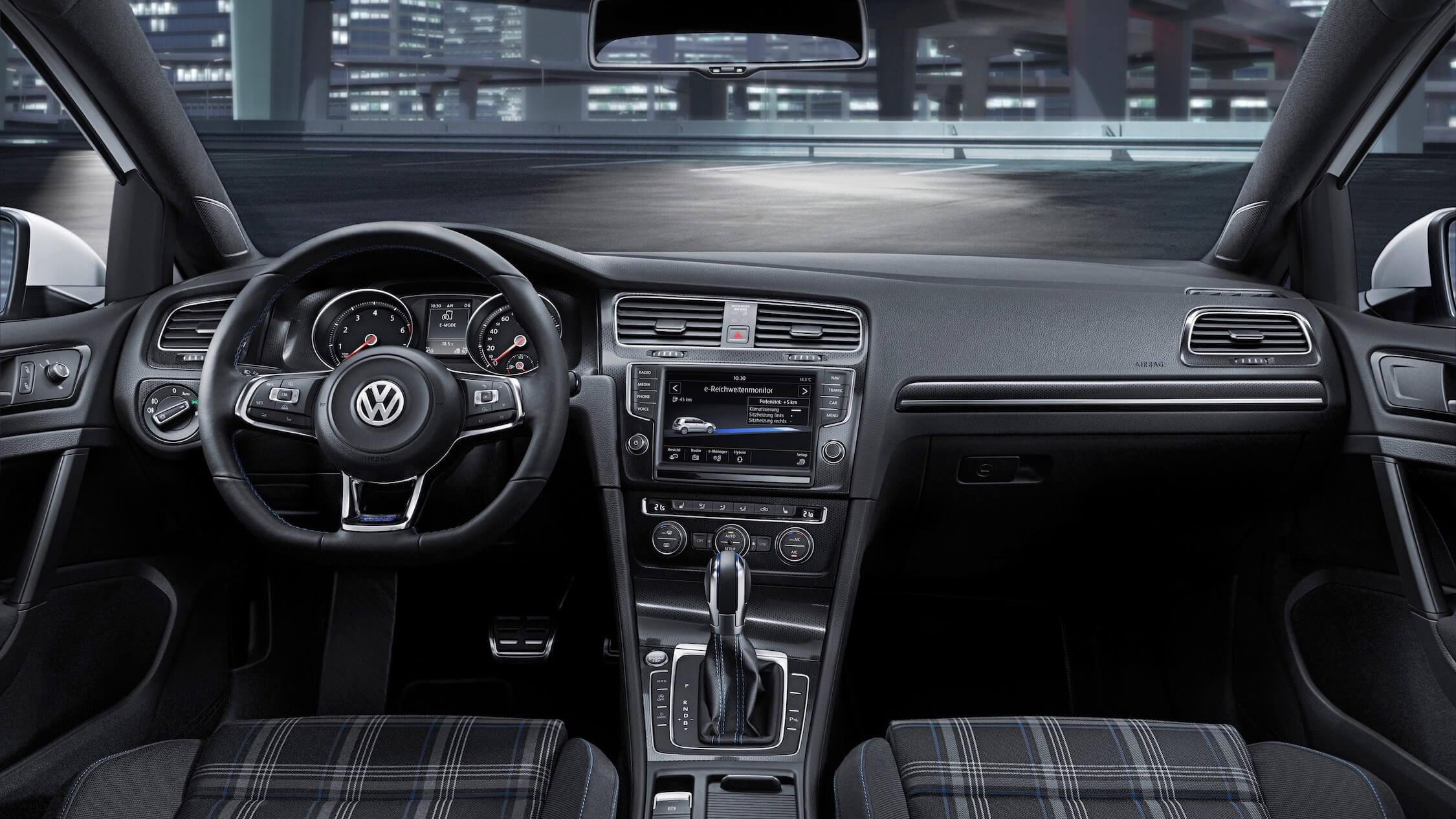 VW Golf GTE dashboard