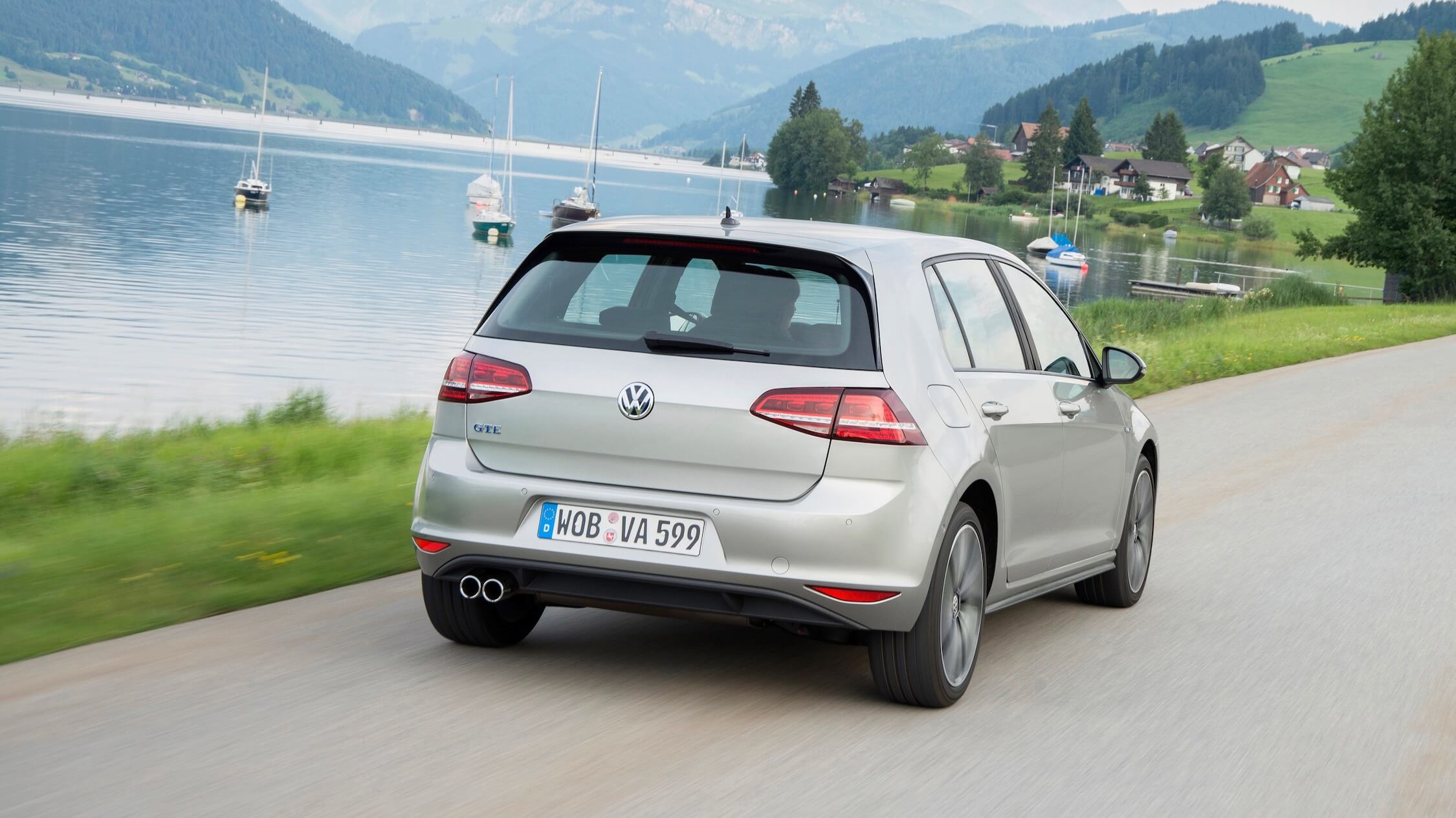 Volkswagen Golf GTE traseira