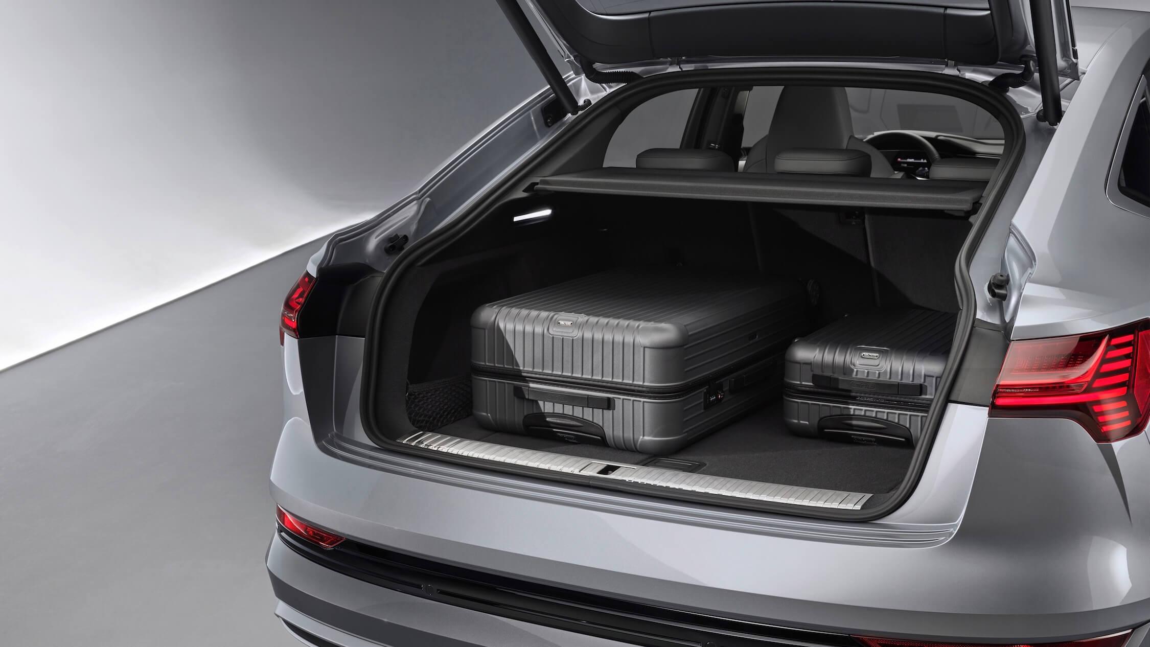 Audi e-tron Sportback 55 bagageiro