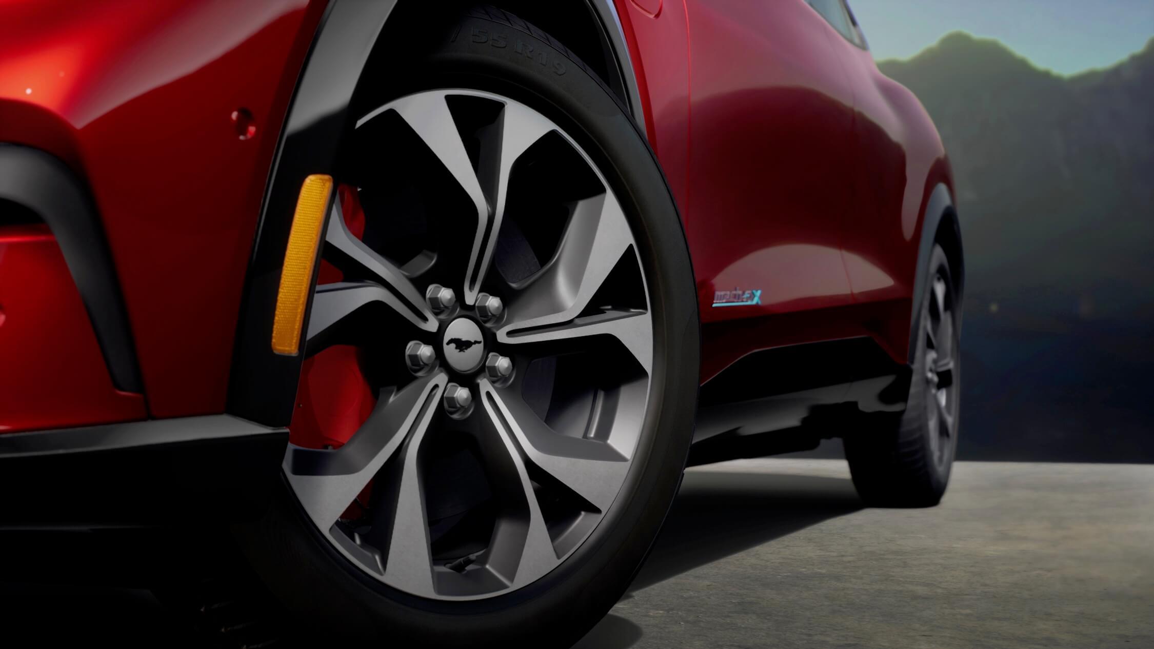 Ford Mustang elétrico roda