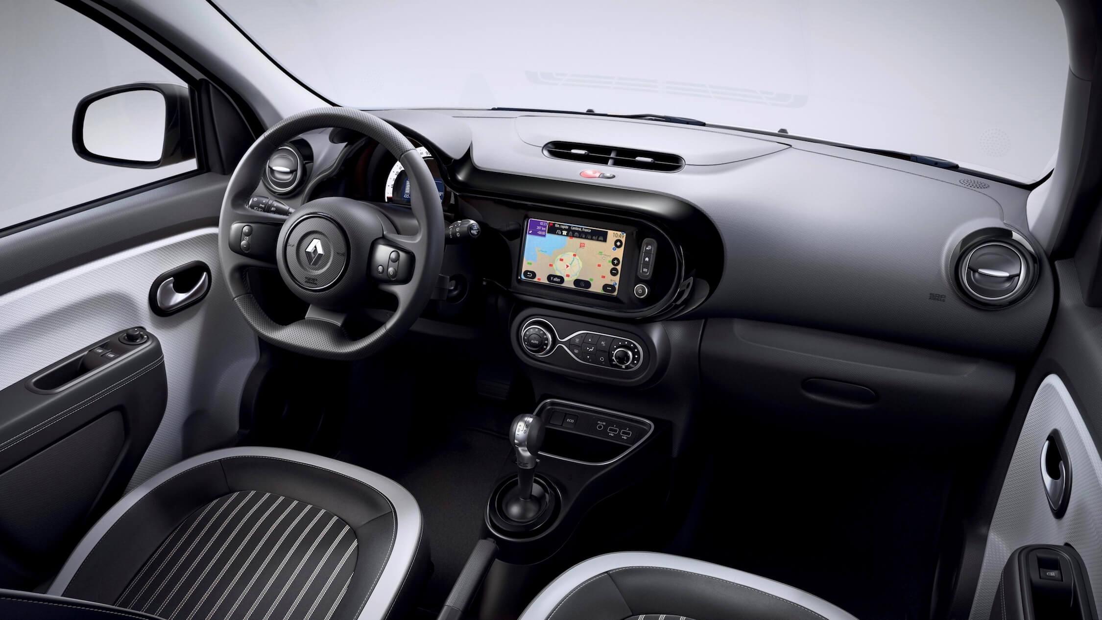 Renault Twingo ZE elétrico interior preto