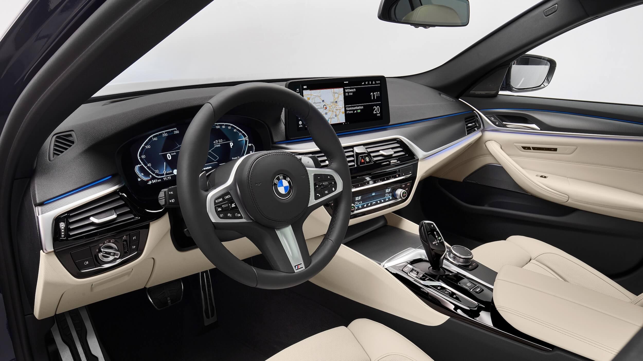 BMW 530e interior G30 facelift