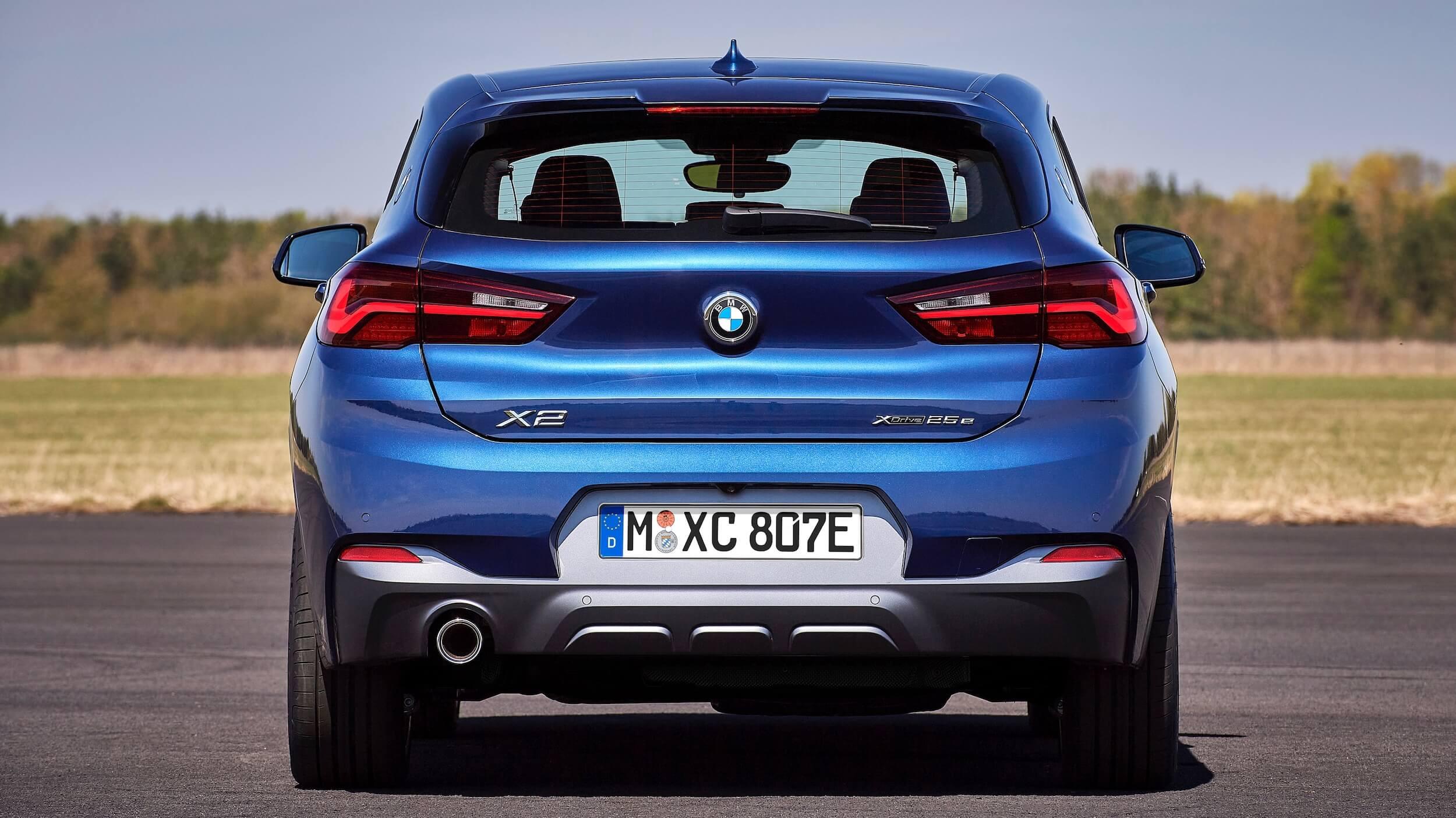BMW X2 xDrive25e traseira