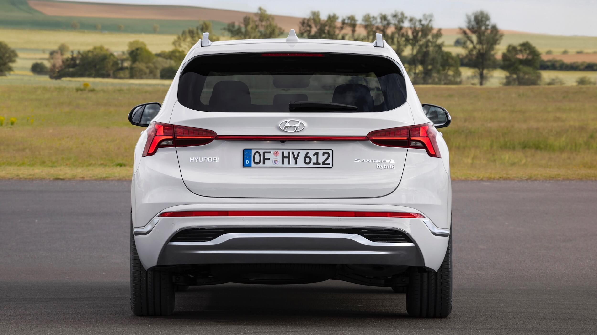 Hyundai Santa Fe Hybrid traseira