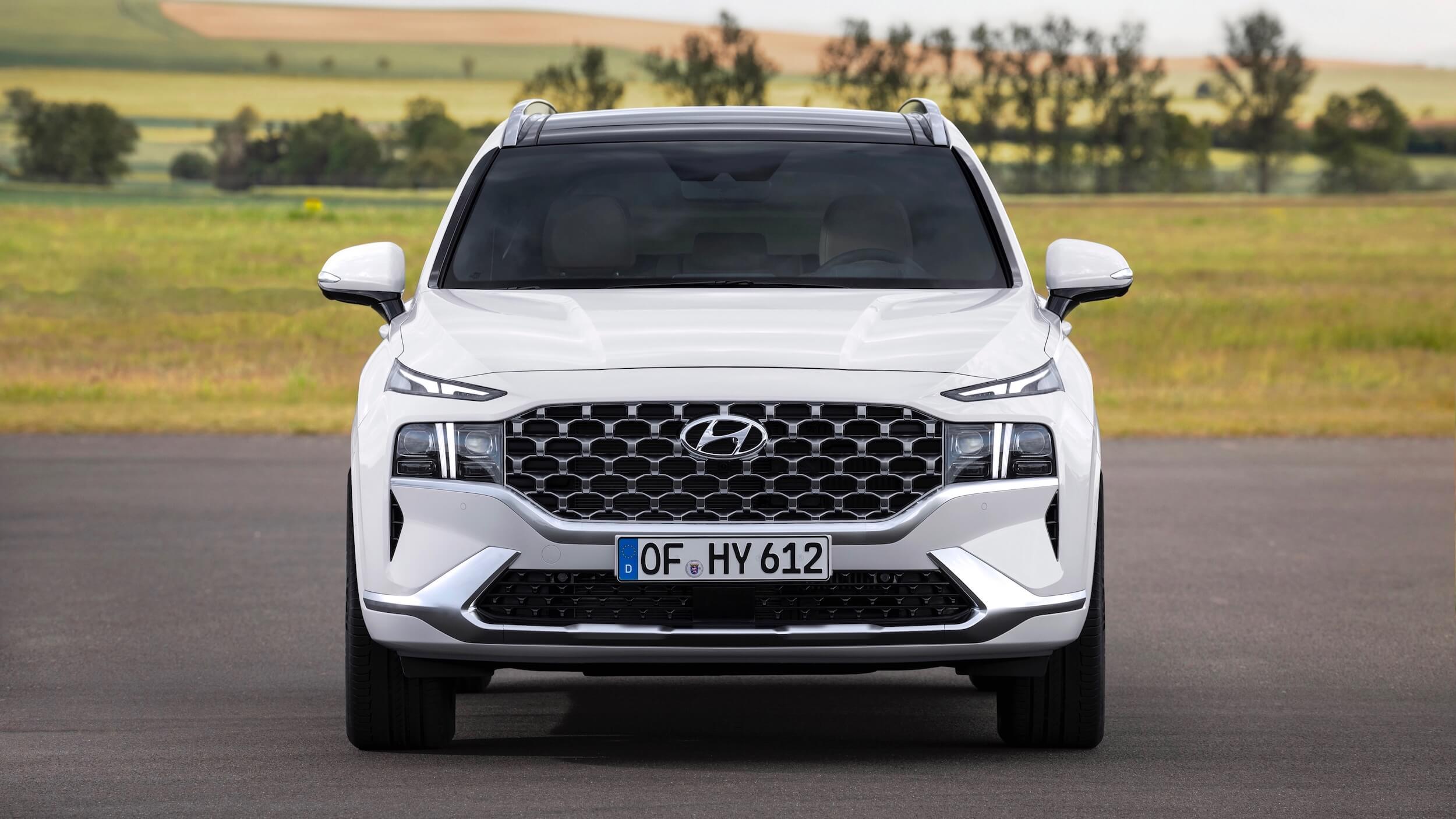 Hyundai Santa Fe hybrid frente
