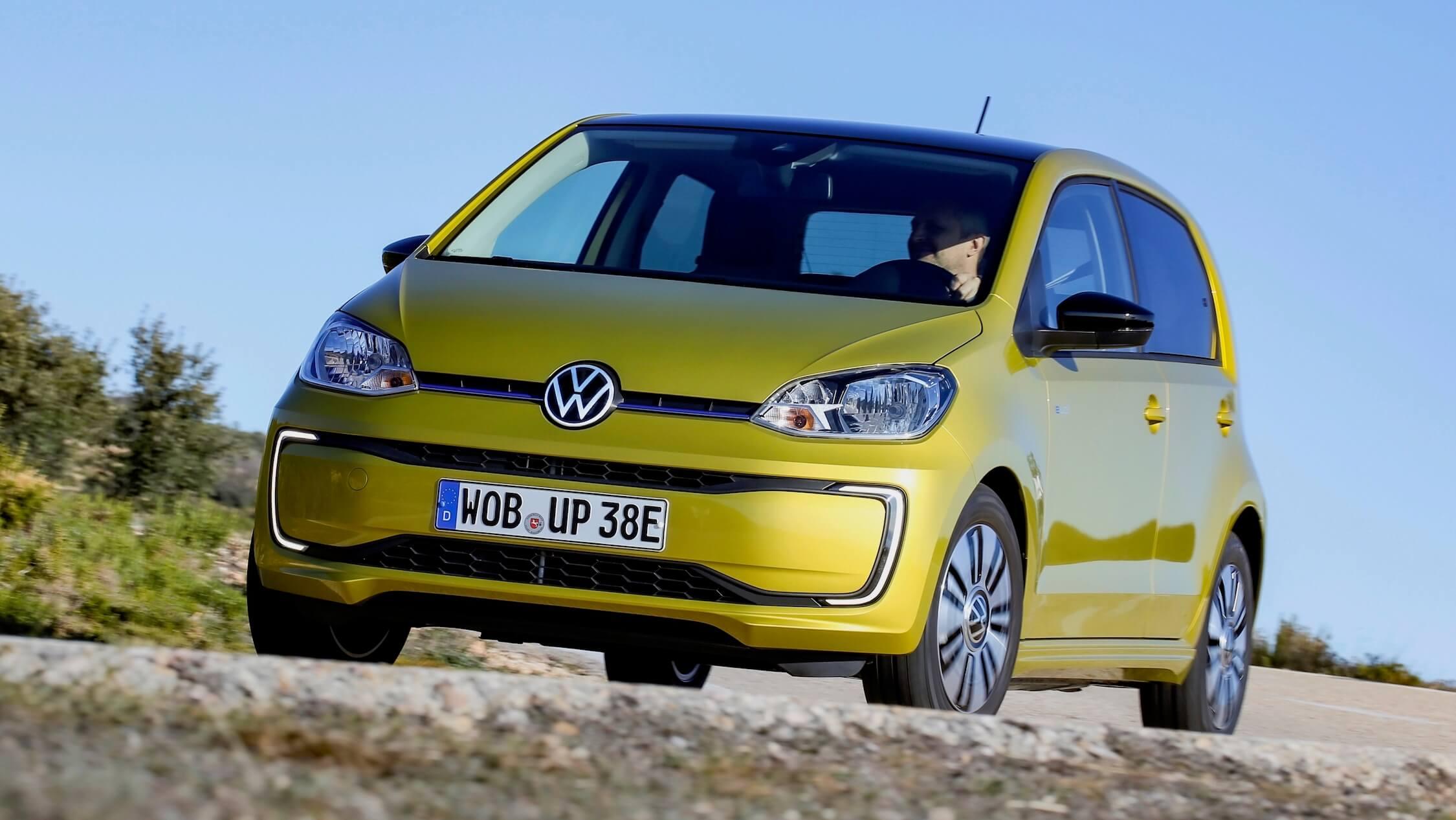 Volkswagen e Up amarelo