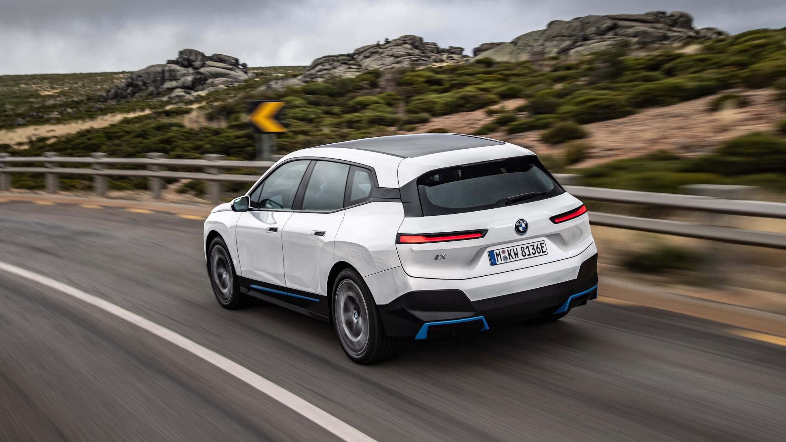 BMW iX branco
