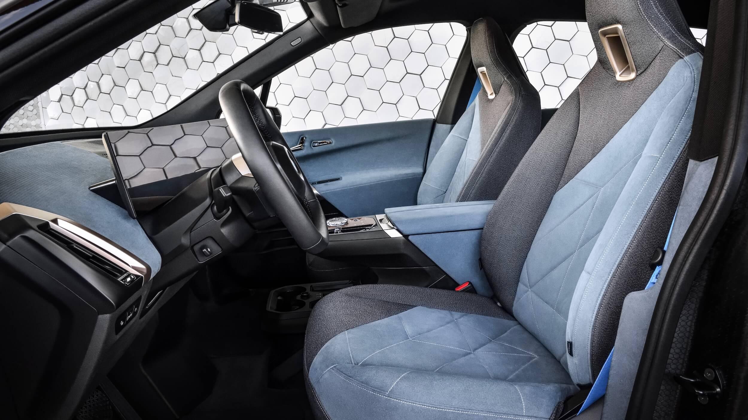 BMW iX elétrico interior