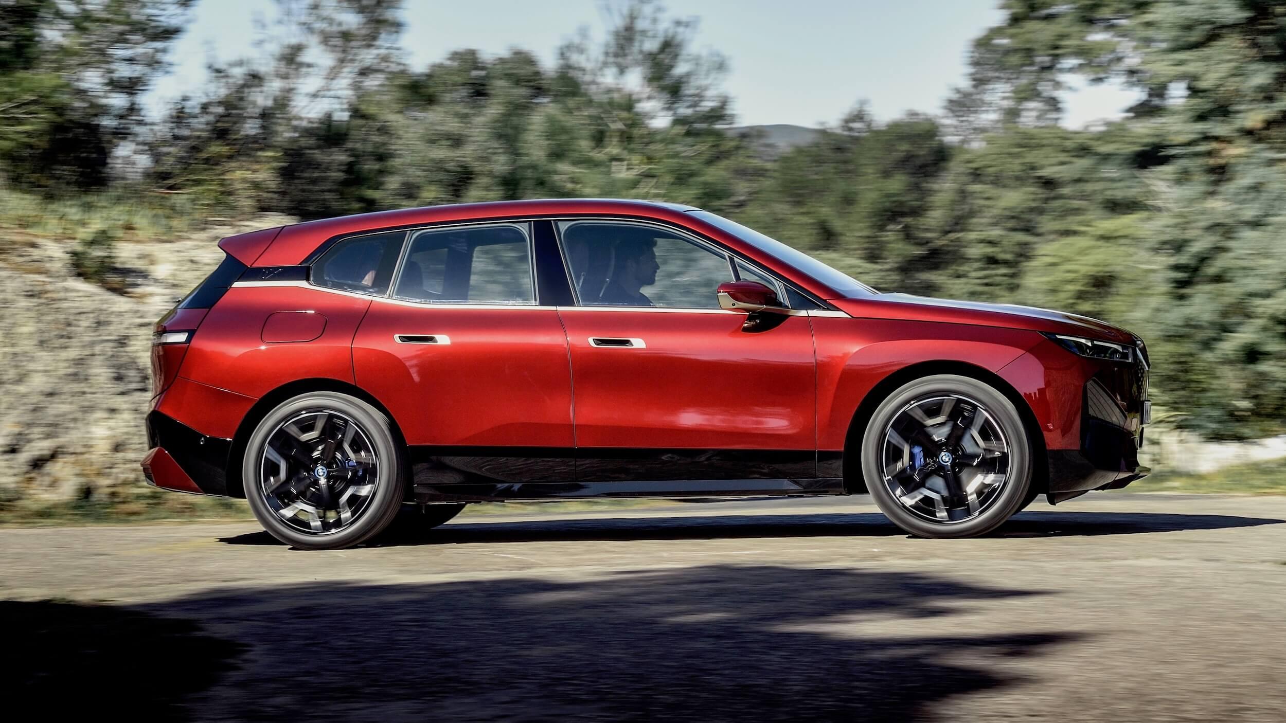 BMW iX perfil