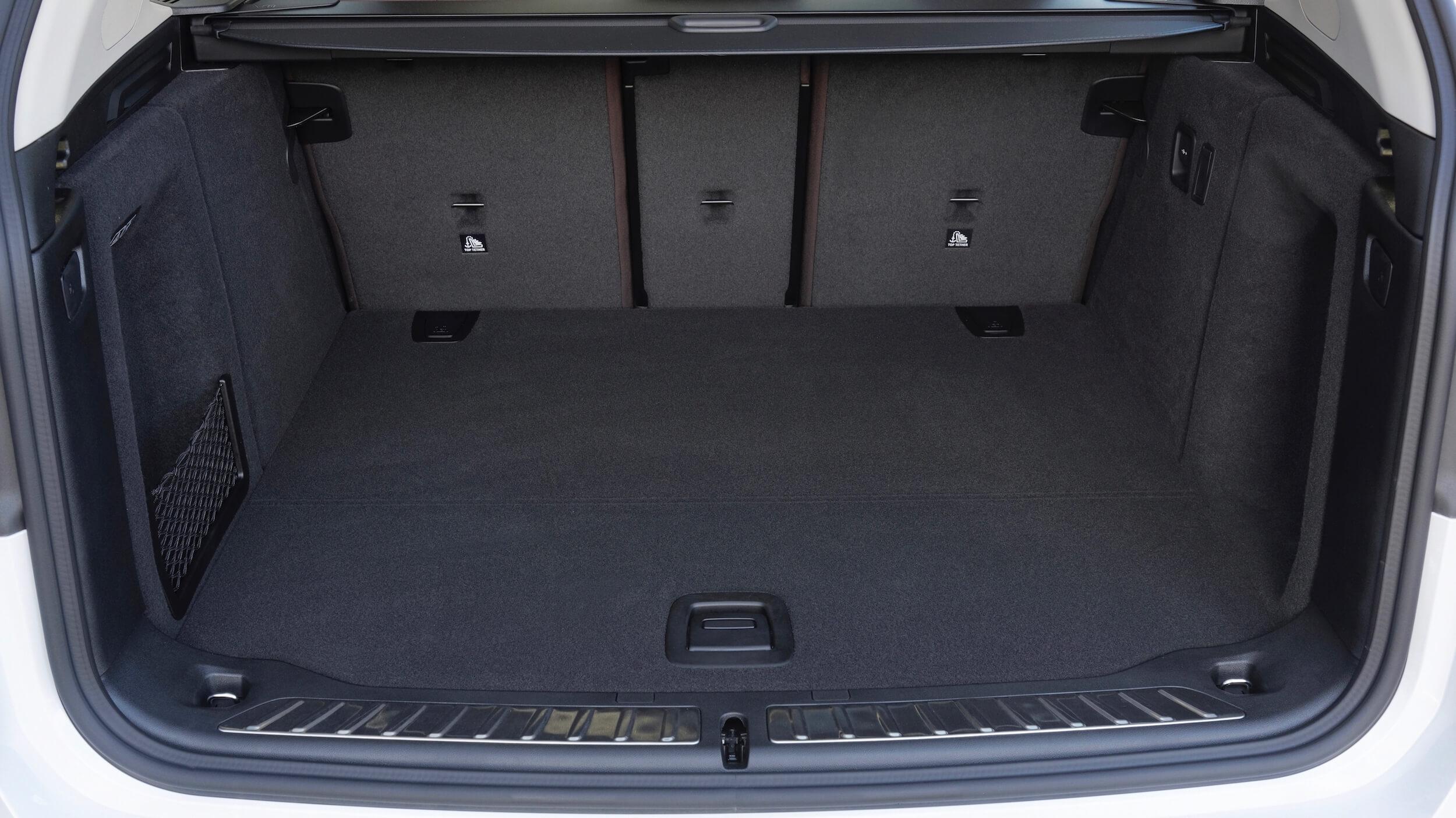 BMW iX3 porta bagagens