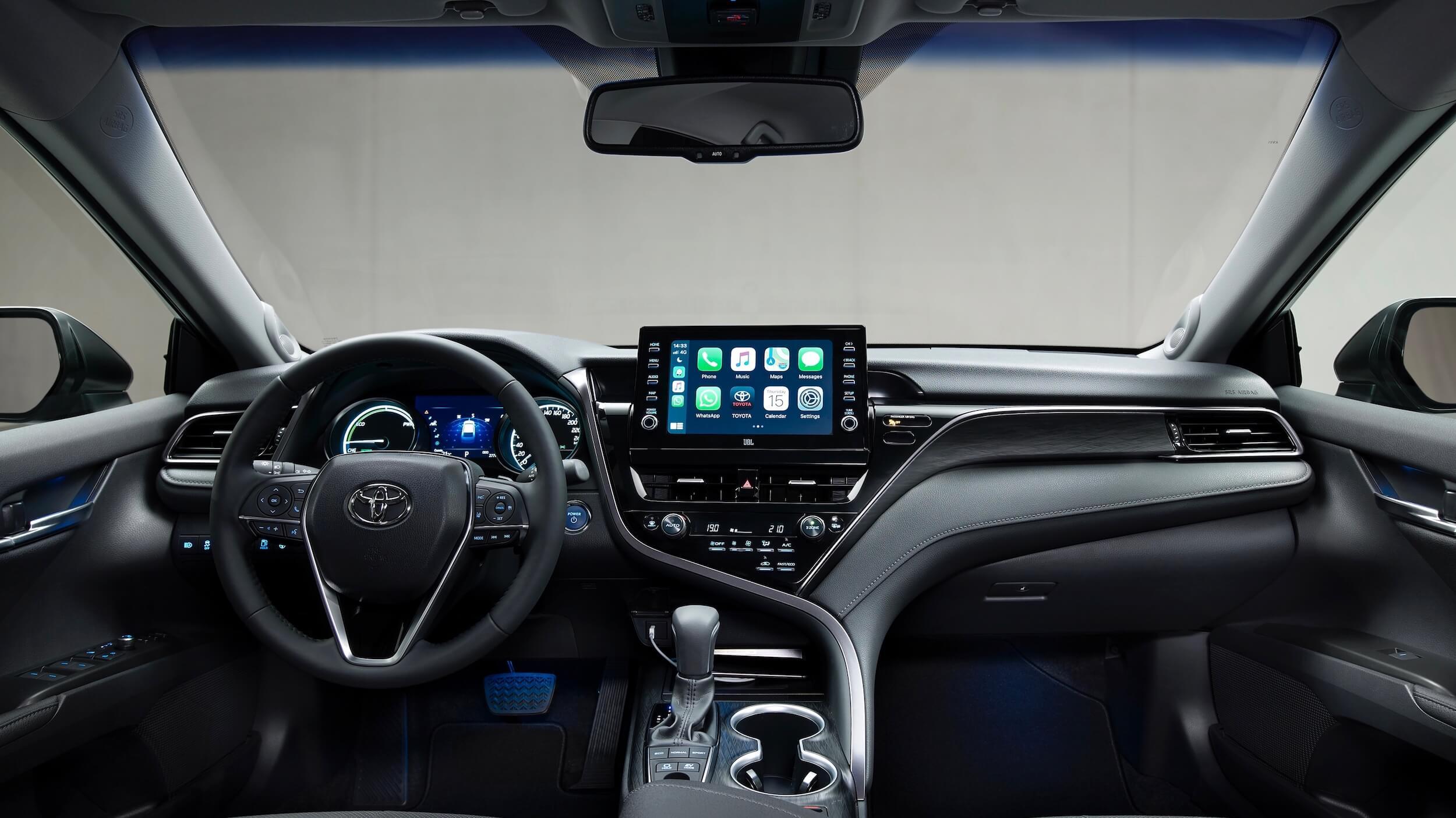 Toyota Camry Hybrid 2021 dashboard