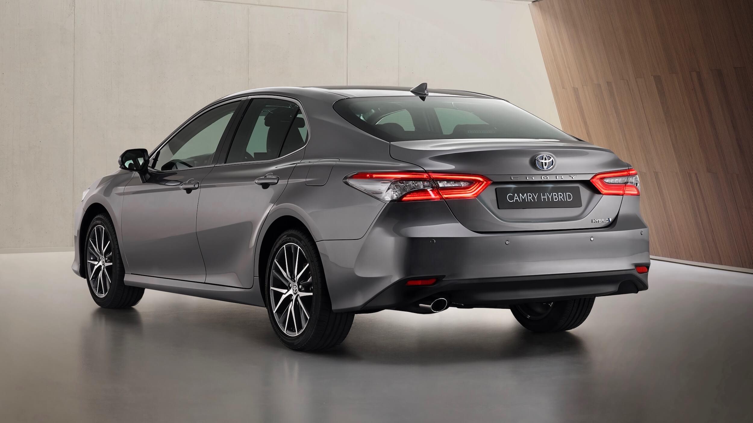 Toyota Camry híbrido 2021