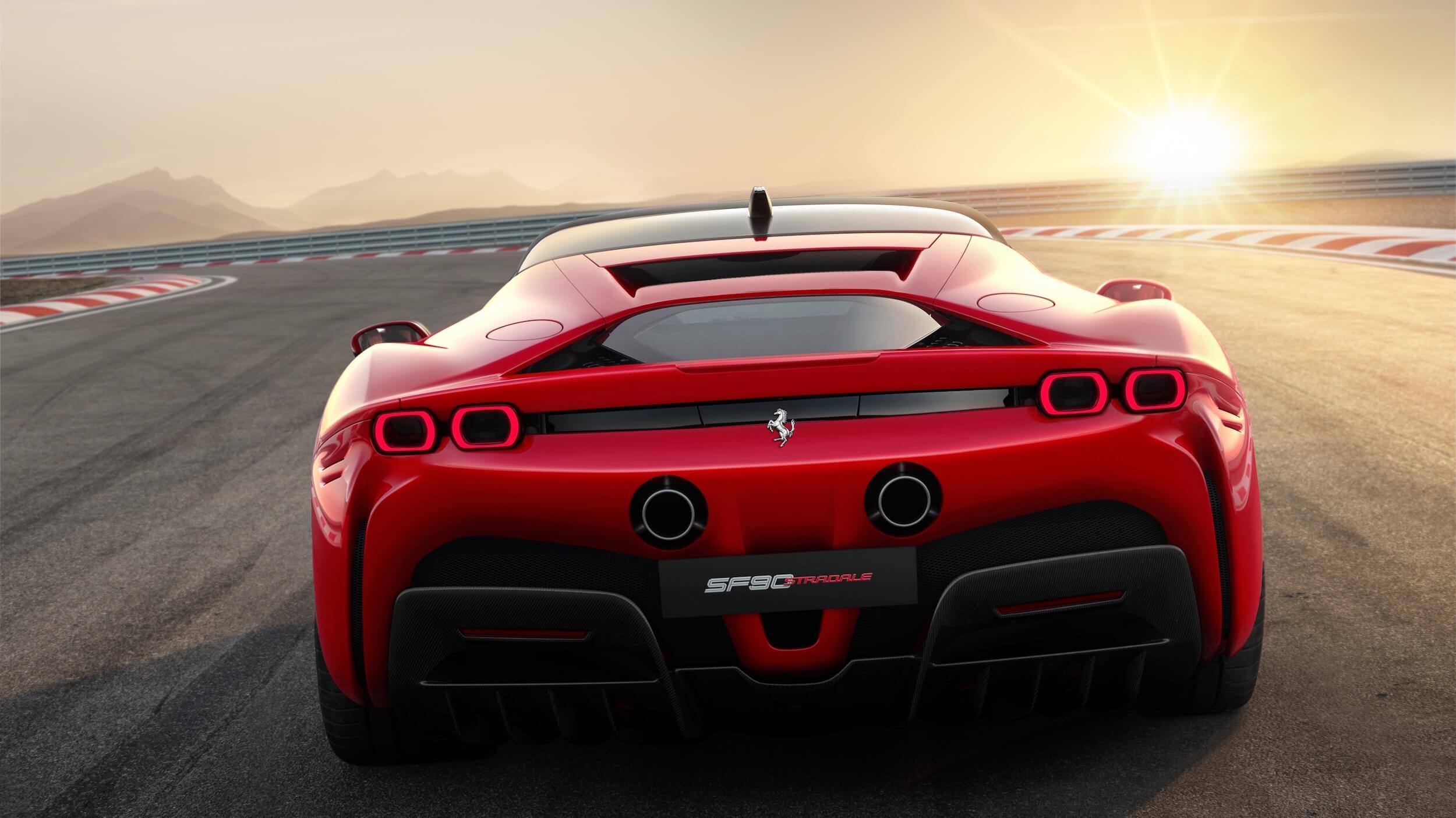 Ferrari SF90 Stradale traseiro