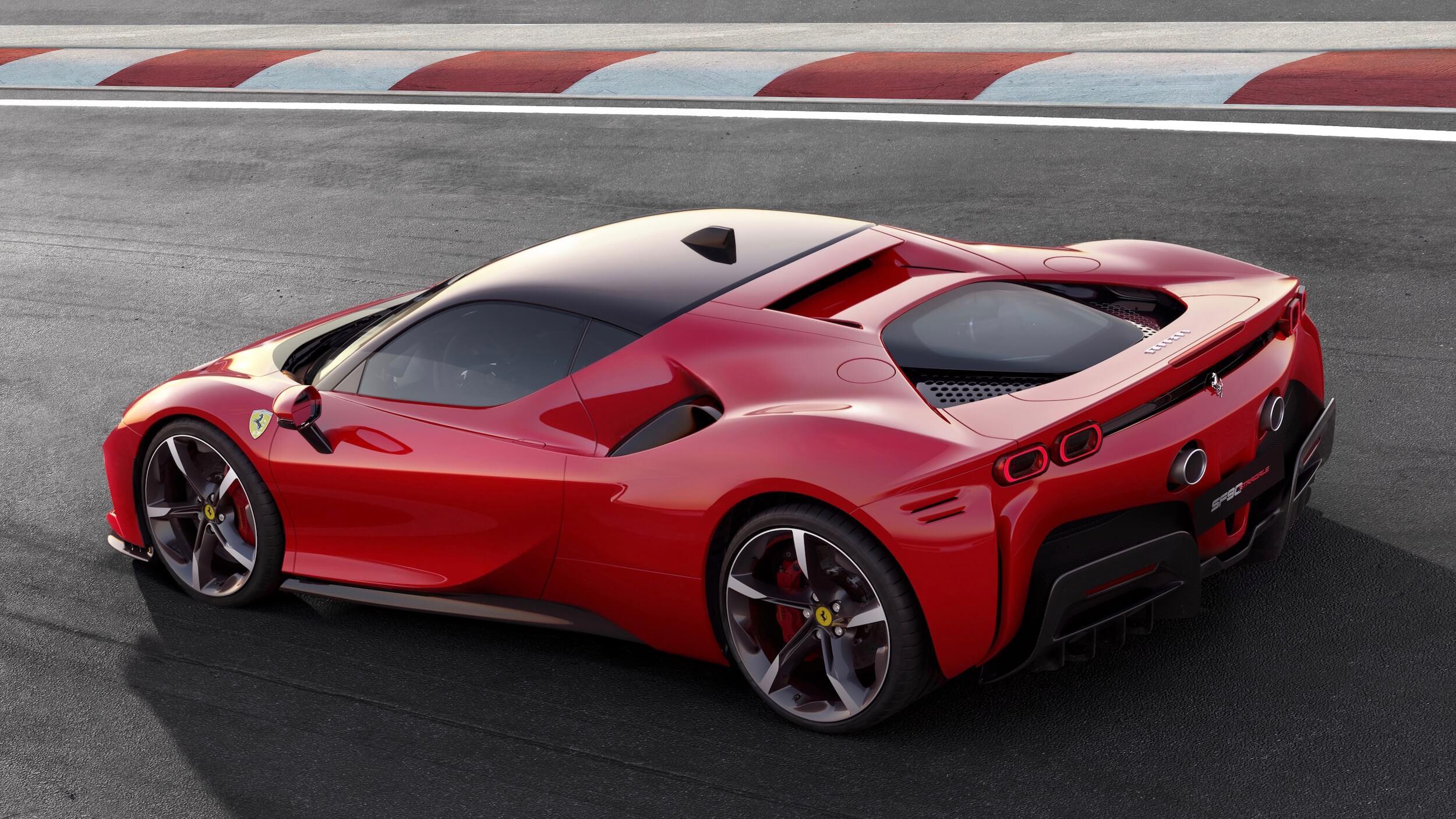 Ferrari híbrido plug in