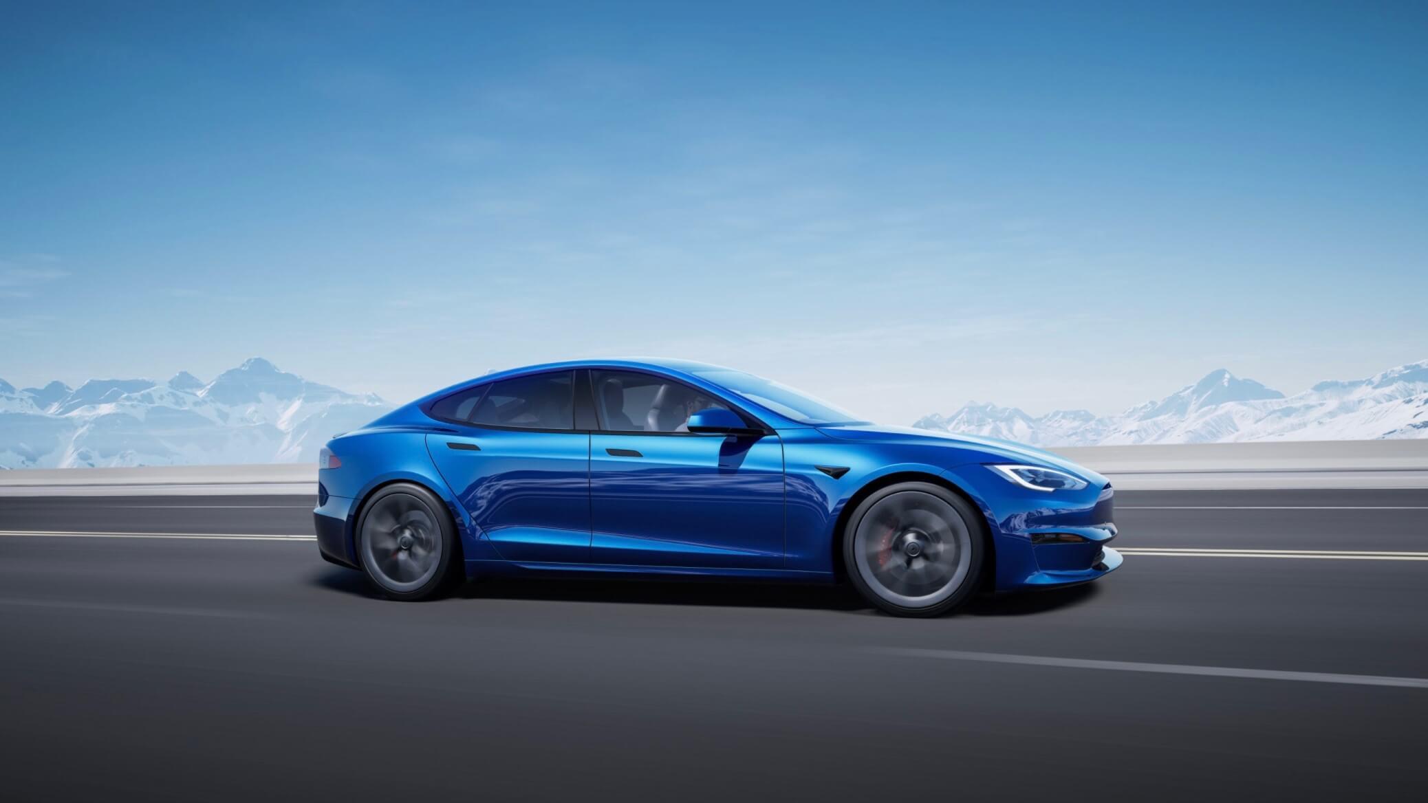 Tesla Model S azul