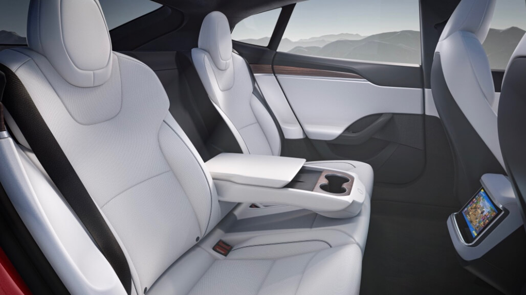 Tesla Model S banco traseiro