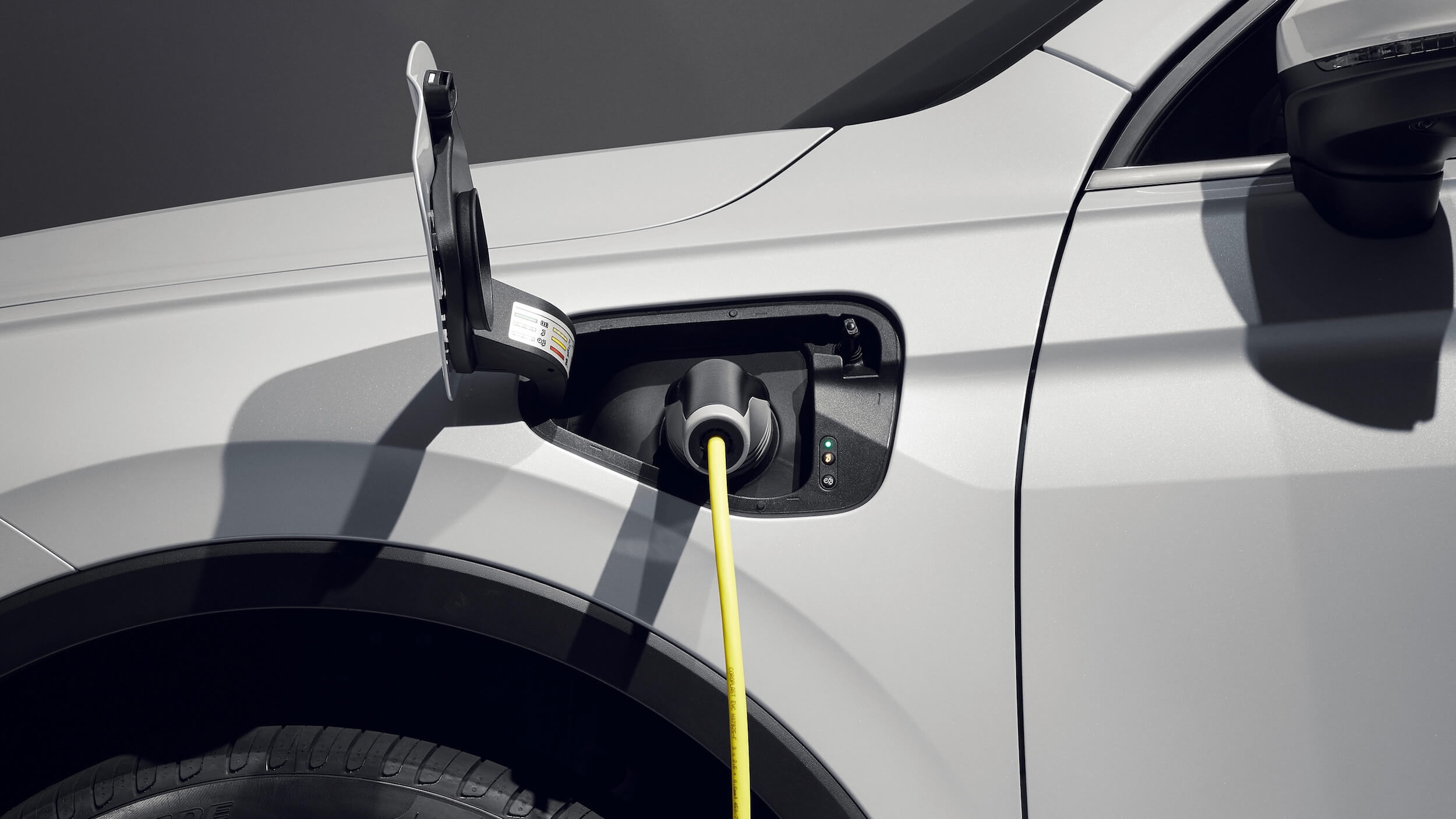 VW Tiguan eHybrid cabo de carregamento