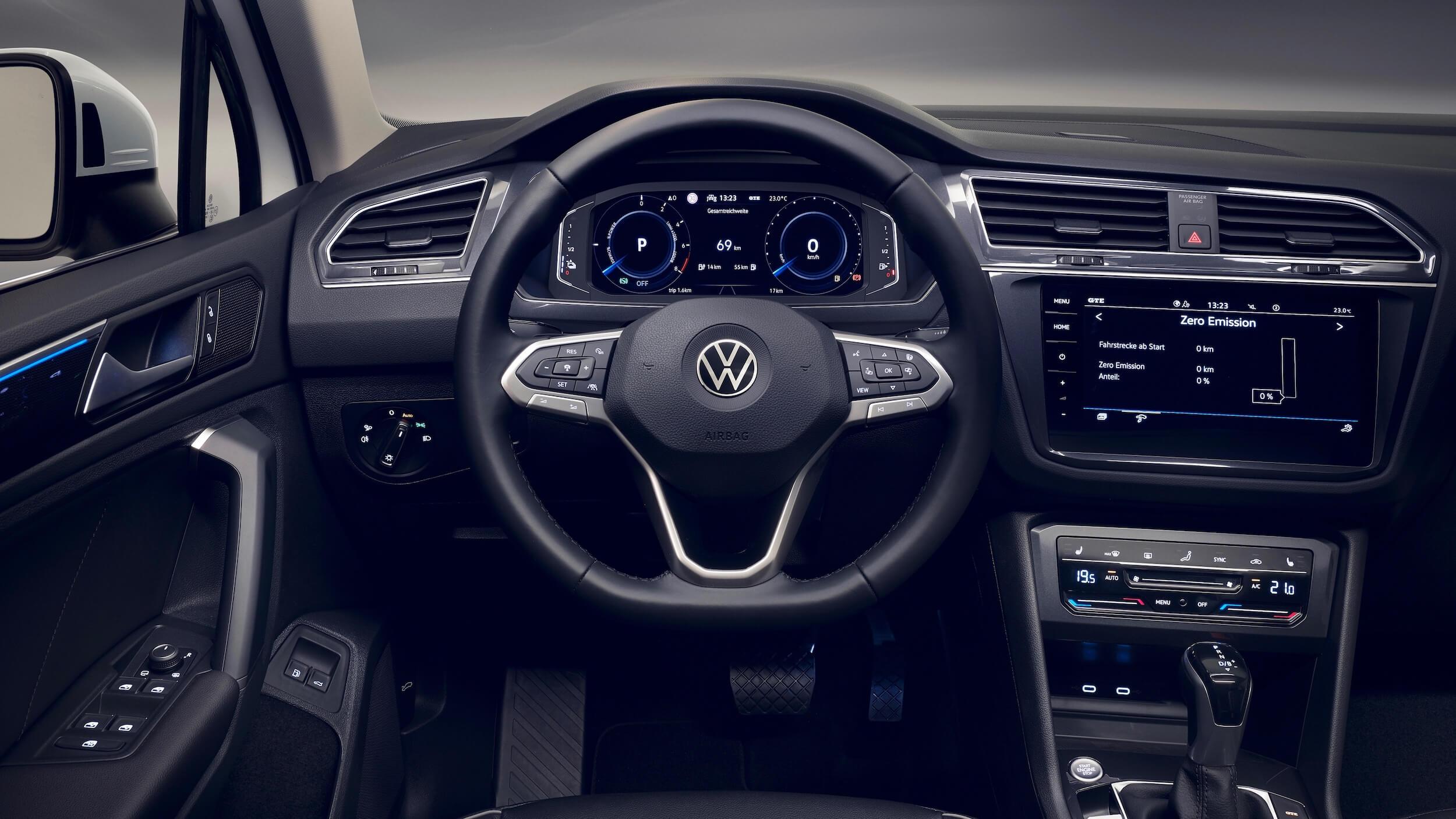 VW Tiguan eHybrid dashboard
