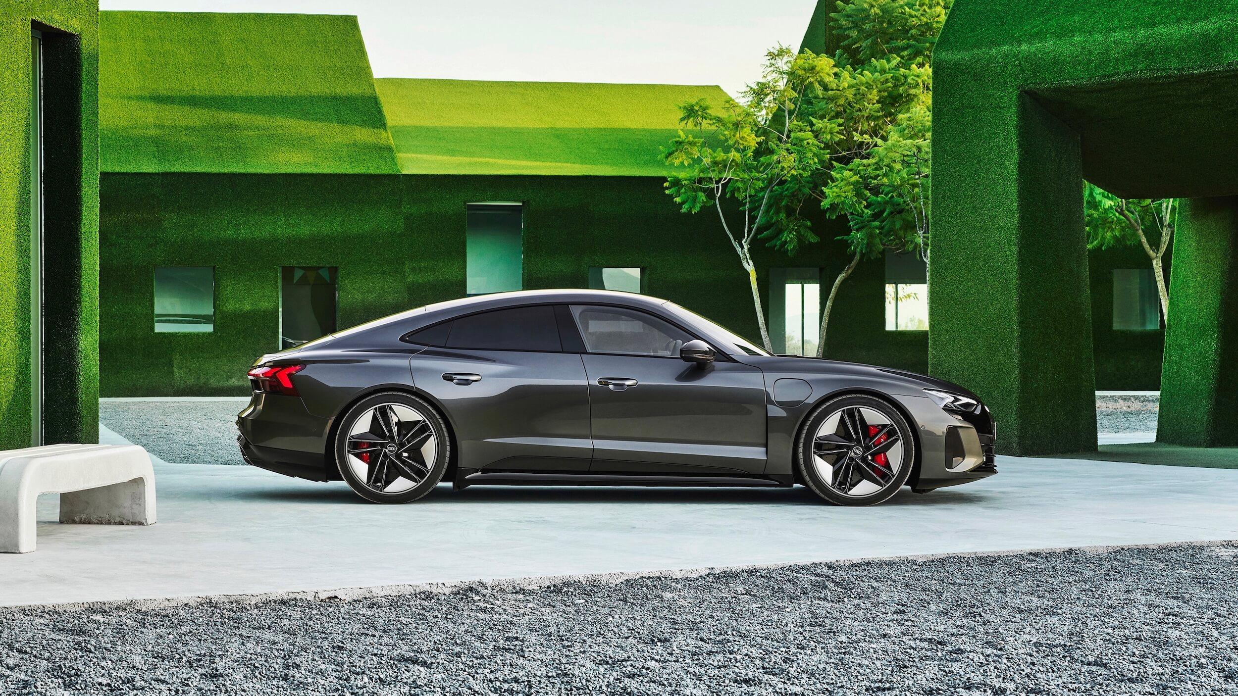 Audi e tron GT RS verde