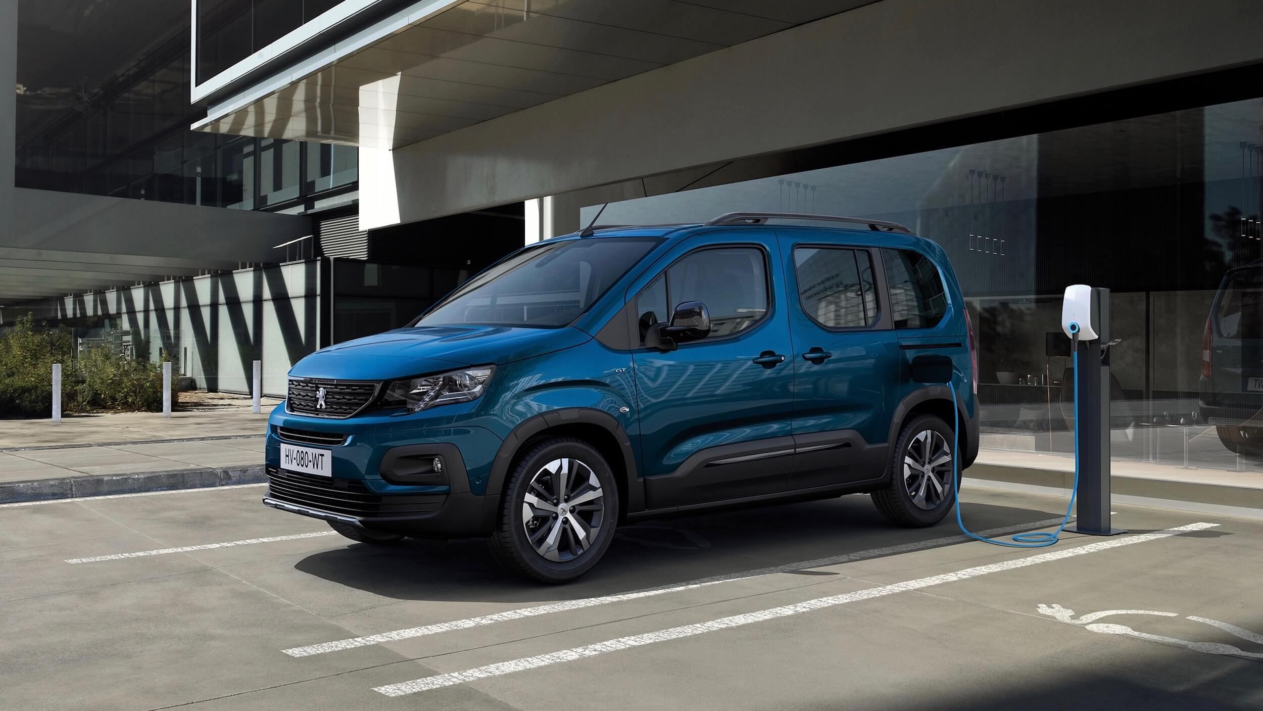 Peugeot e Rifter posto de carregamento