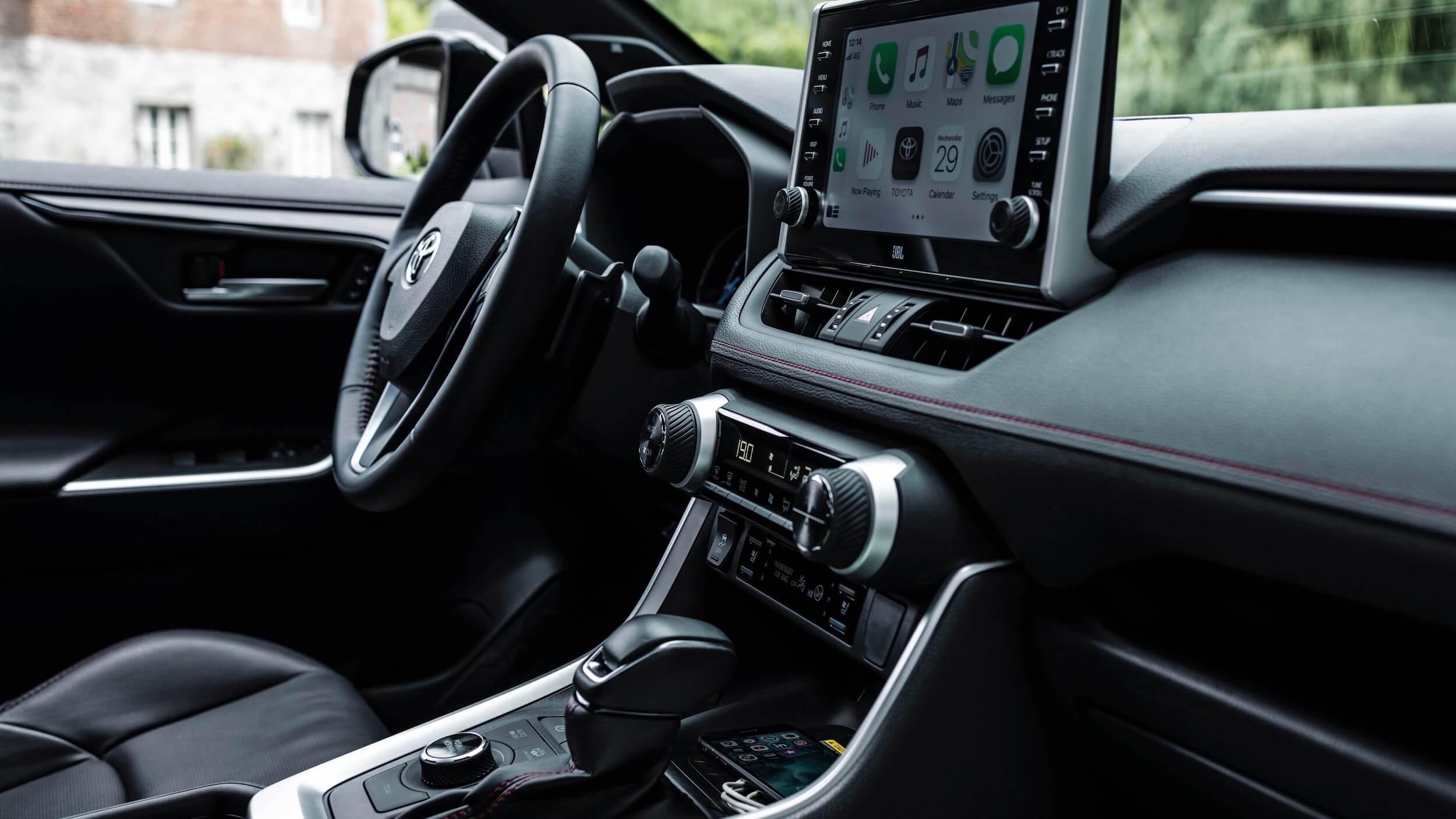 Toyota RAV4 híbrido plug in dashboard