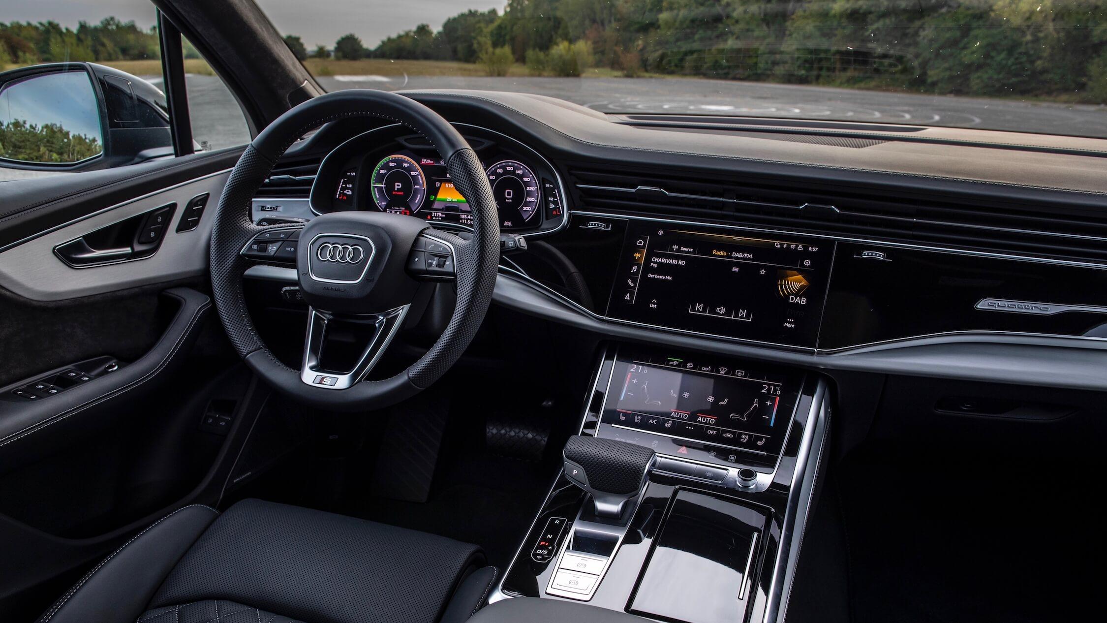Audi Q7 60 TFSI e interior