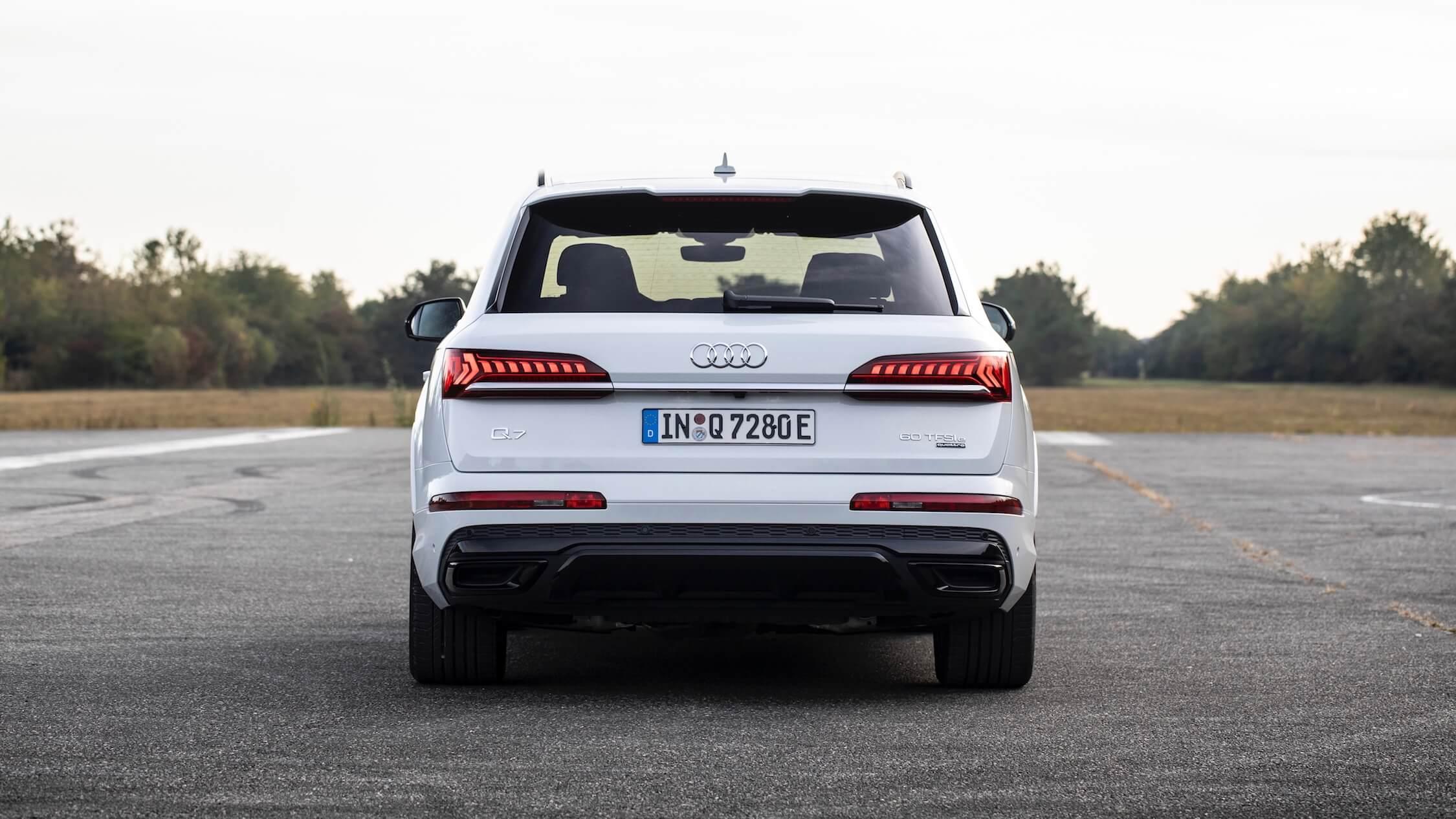 Audi Q7 60 TFSI e traseira