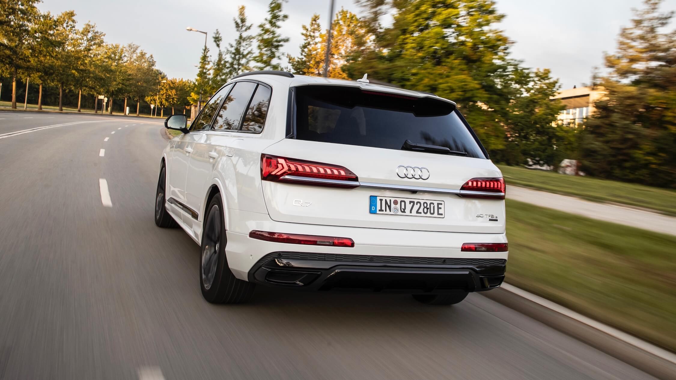 Audi Q7 TFSI e traseira