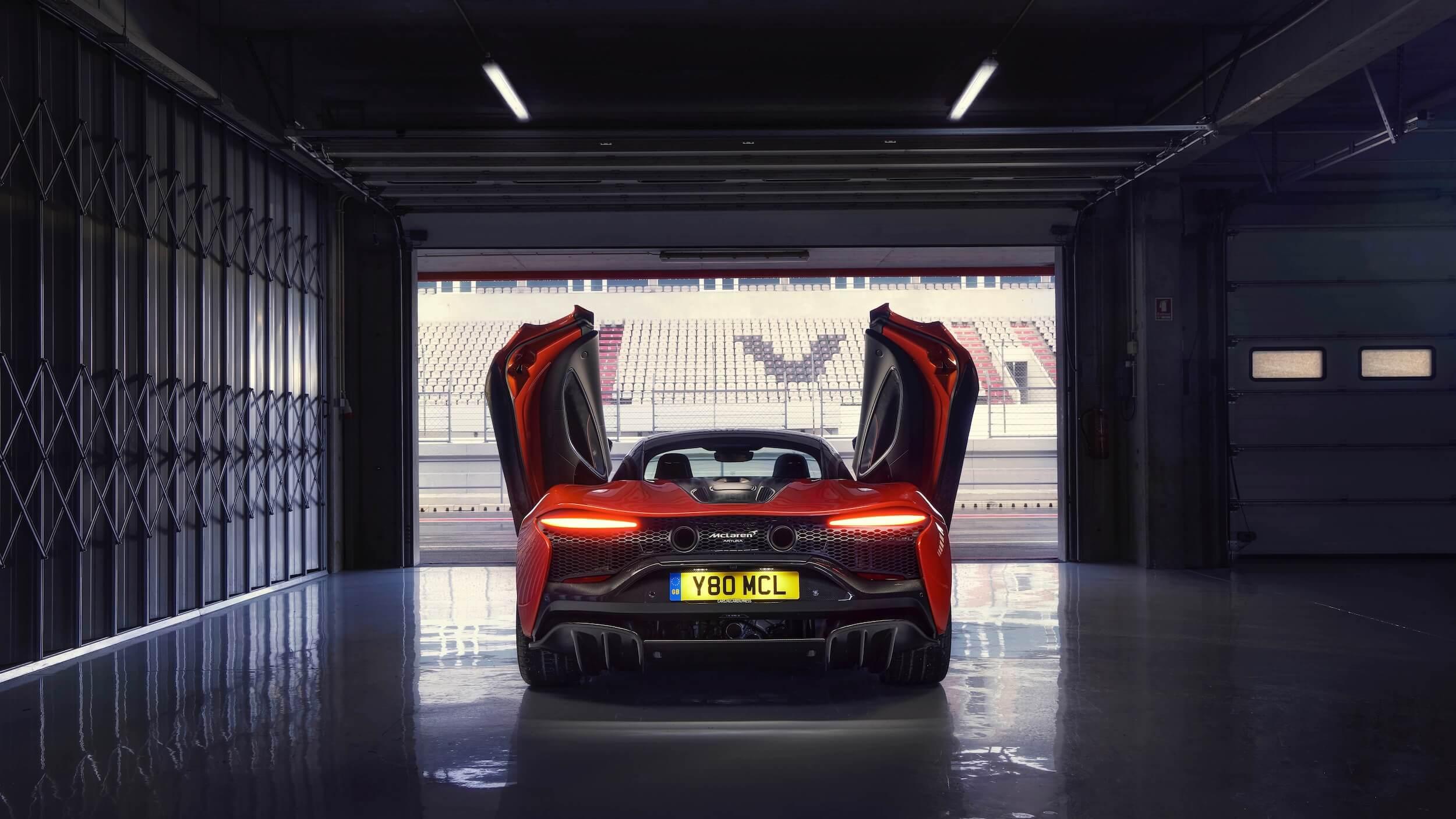 McLaren Artura traseira 2