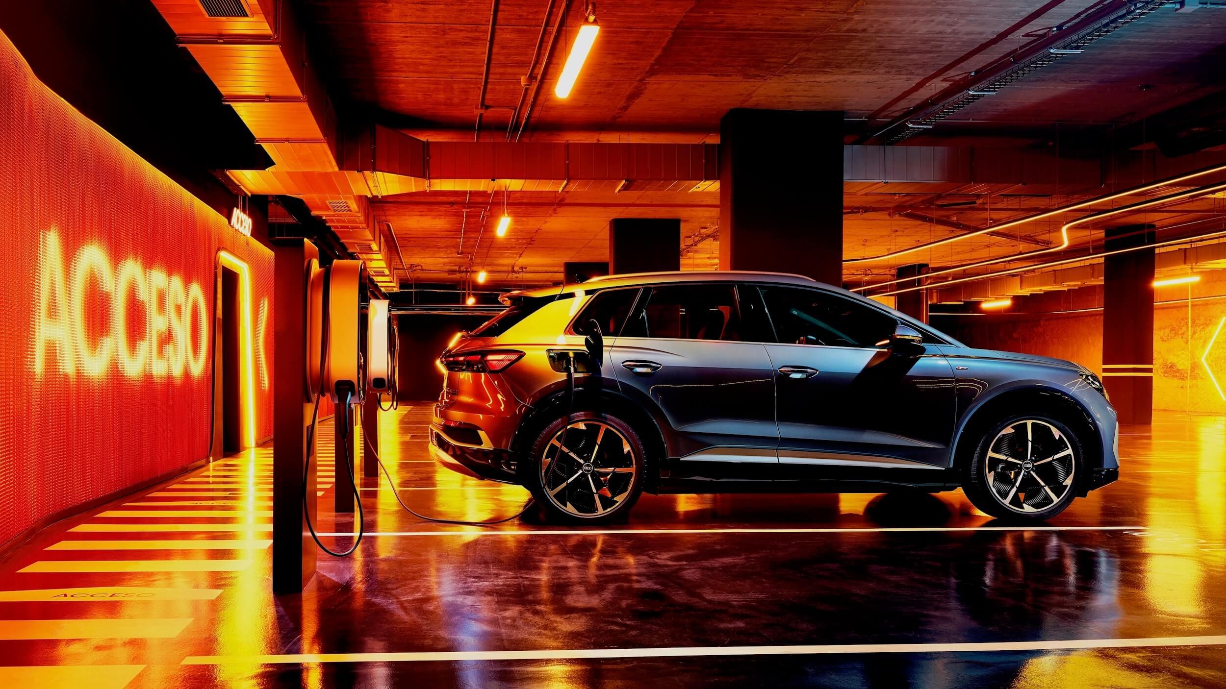Audi Q4 e-tron carregar