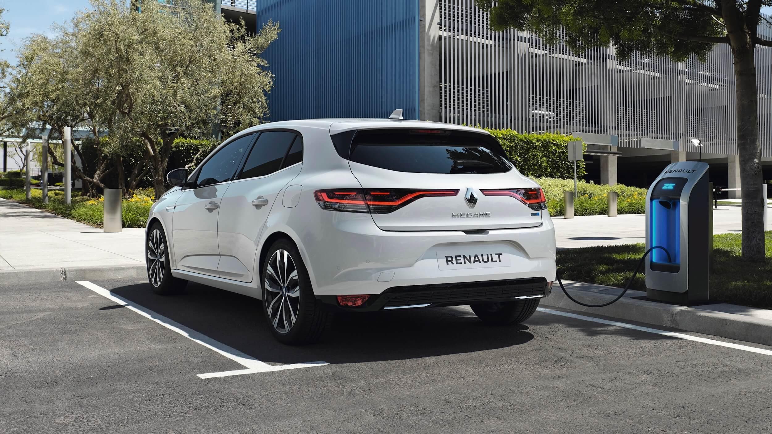 Renault Megane PHEV carregar