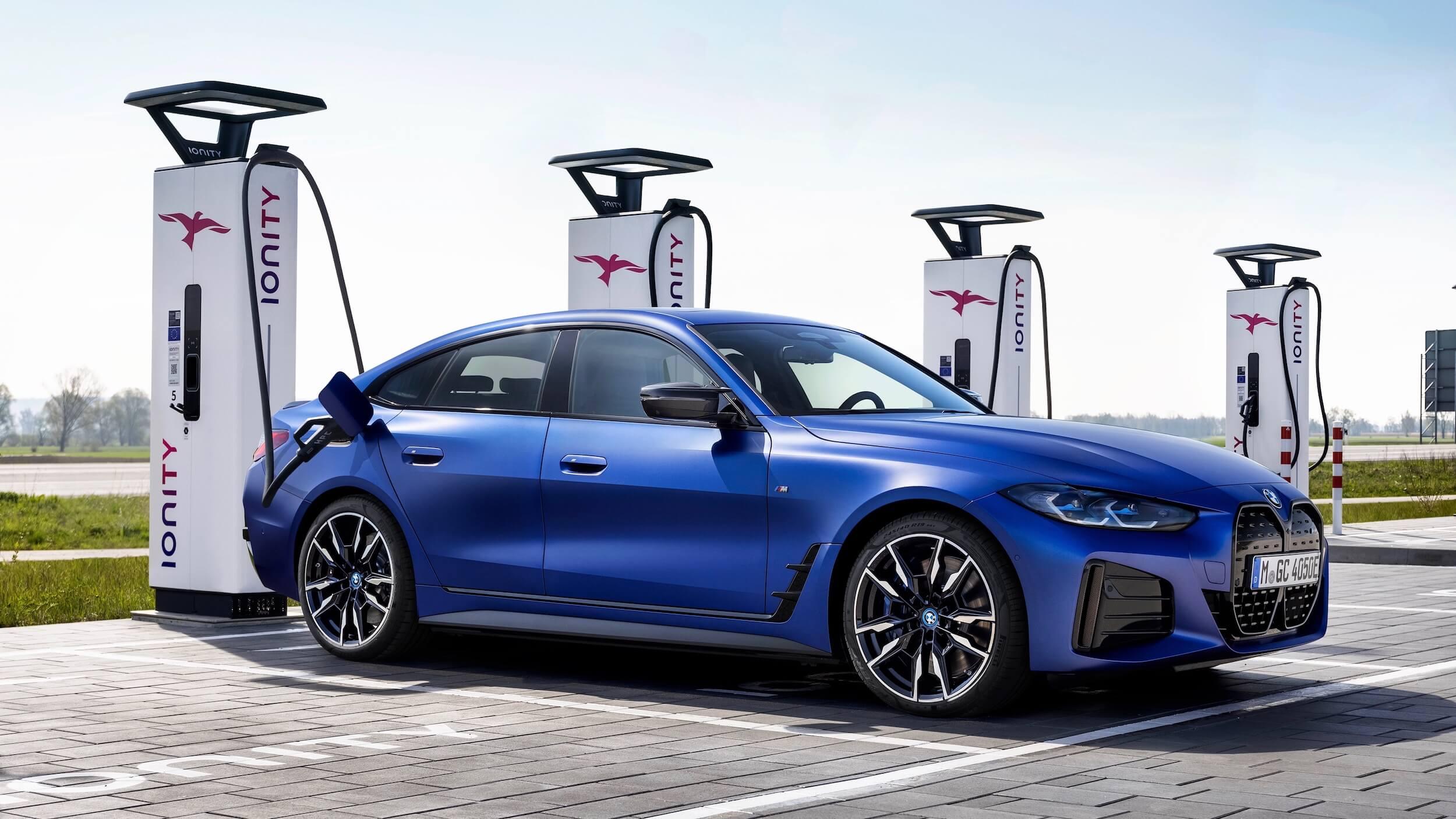 BMW i4 M50 carregar